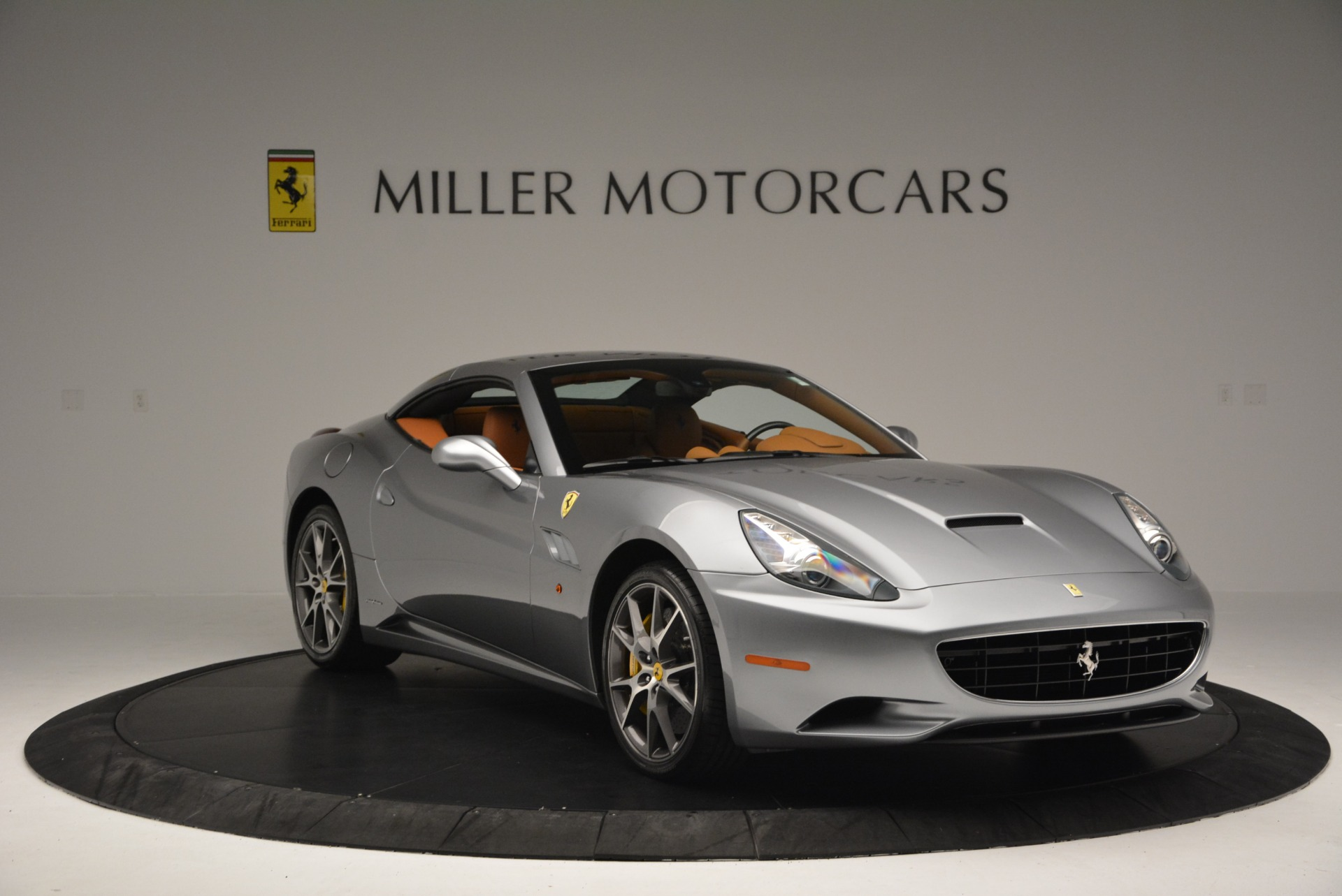 Used 2012 Ferrari California  For Sale In Westport, CT 2524_p23