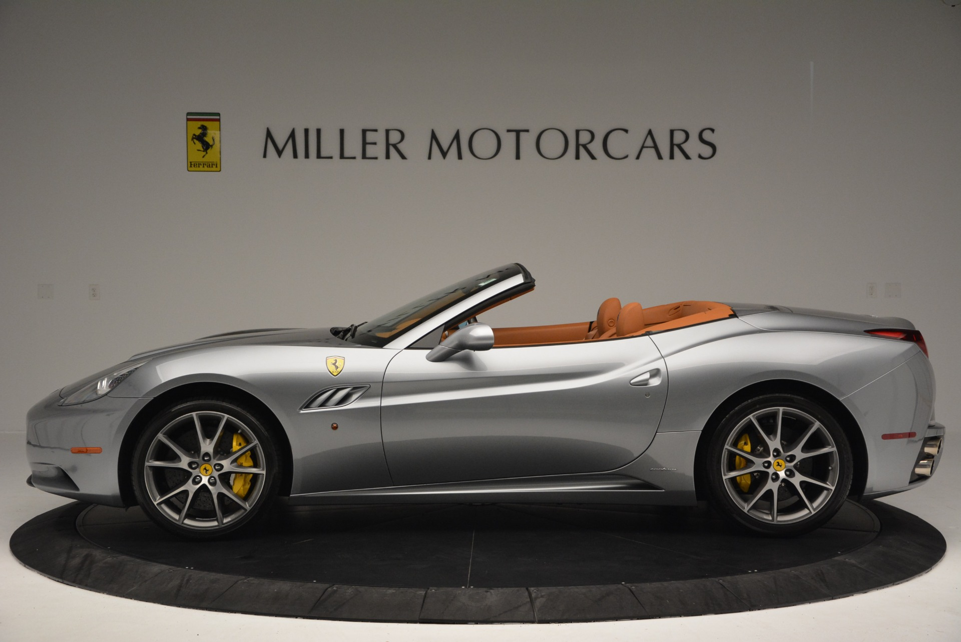 Used 2012 Ferrari California  For Sale In Westport, CT 2524_p3
