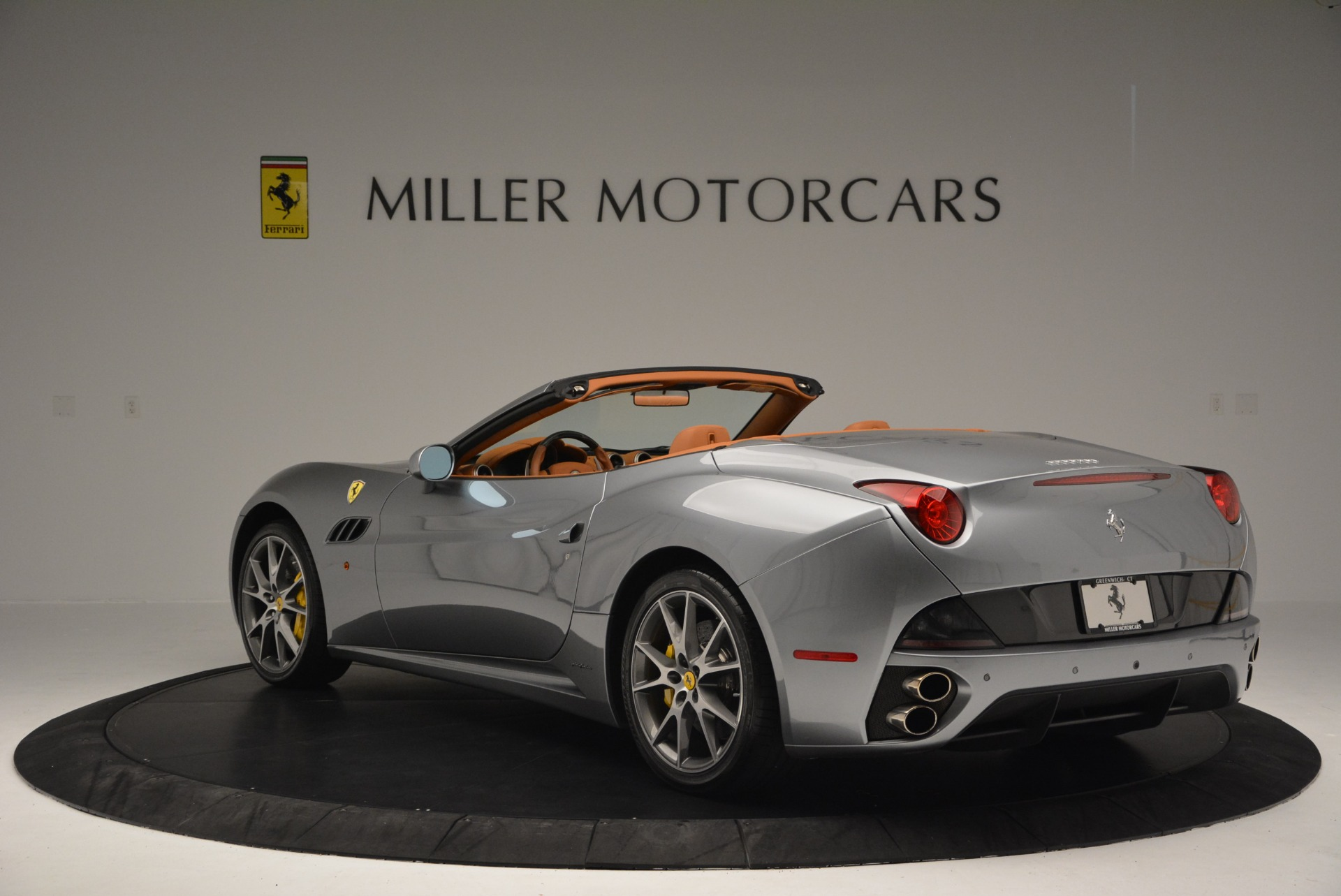 Used 2012 Ferrari California  For Sale In Westport, CT 2524_p5
