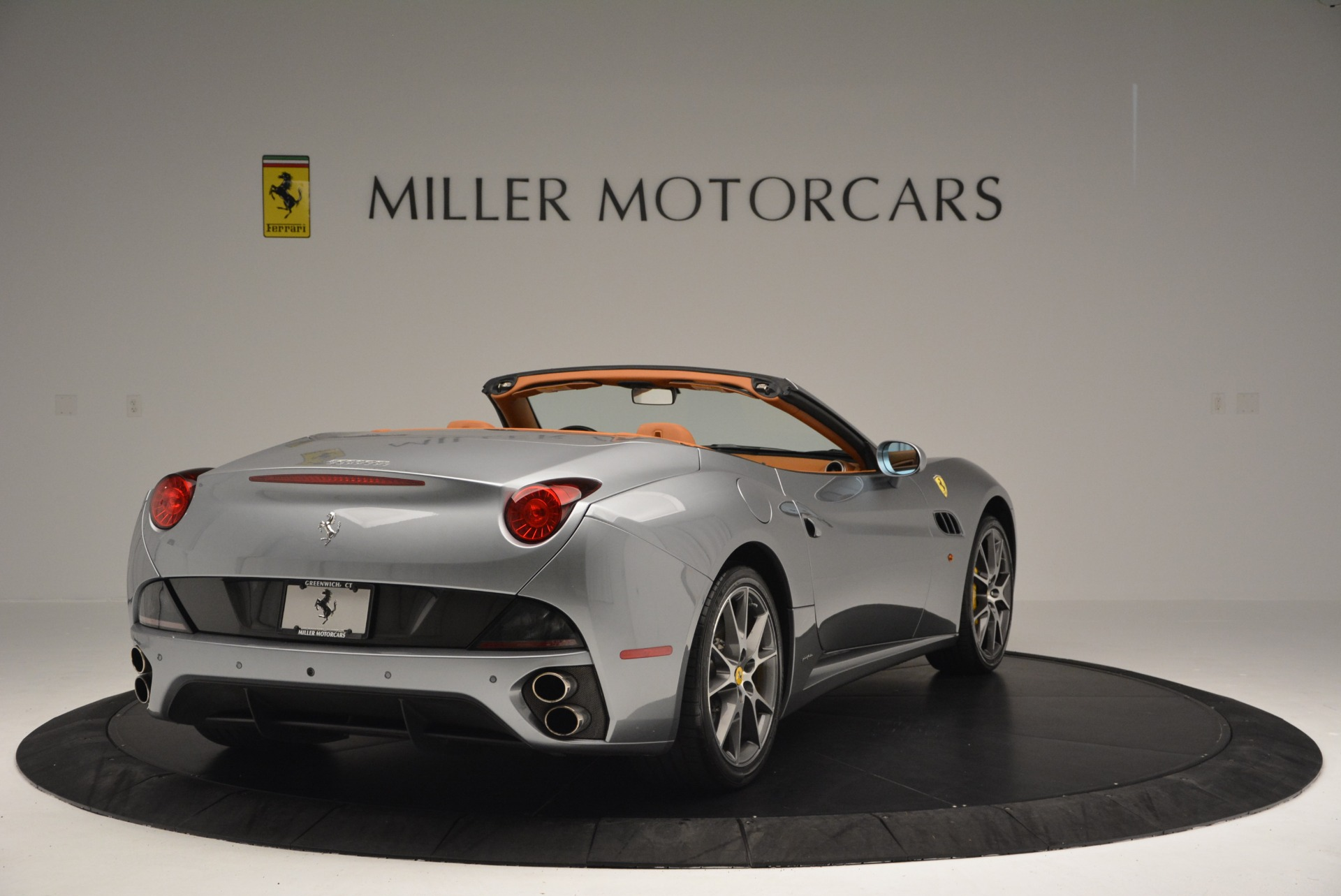 Used 2012 Ferrari California  For Sale In Westport, CT 2524_p7