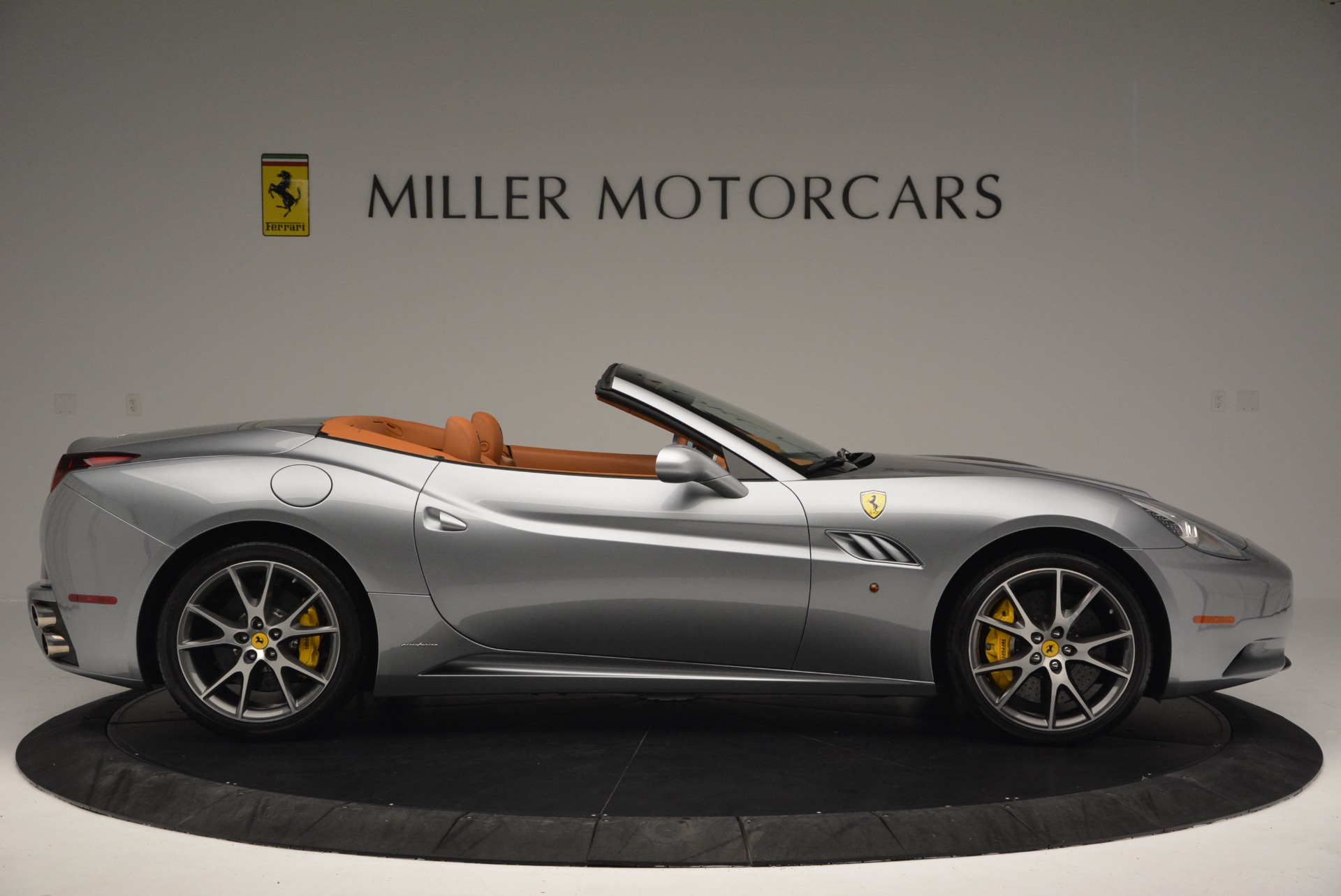 Used 2012 Ferrari California  For Sale In Westport, CT 2524_p9