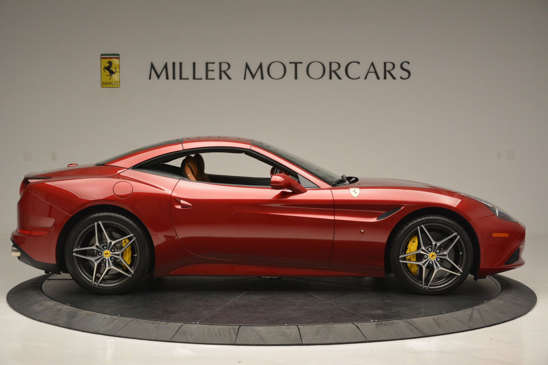Used 2016 Ferrari California T  For Sale In Westport, CT 2534_p21