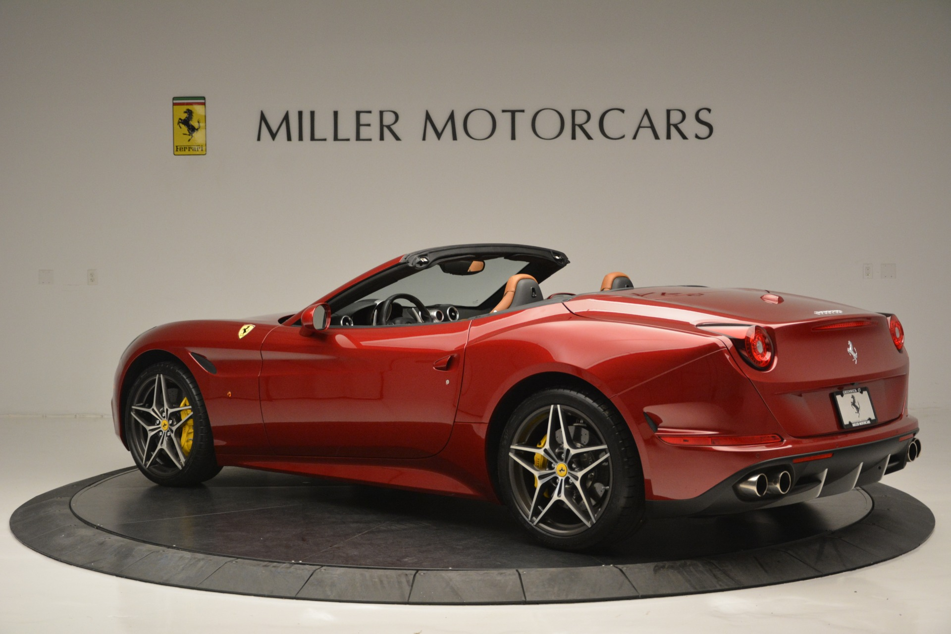 Used 2016 Ferrari California T  For Sale In Westport, CT 2534_p4