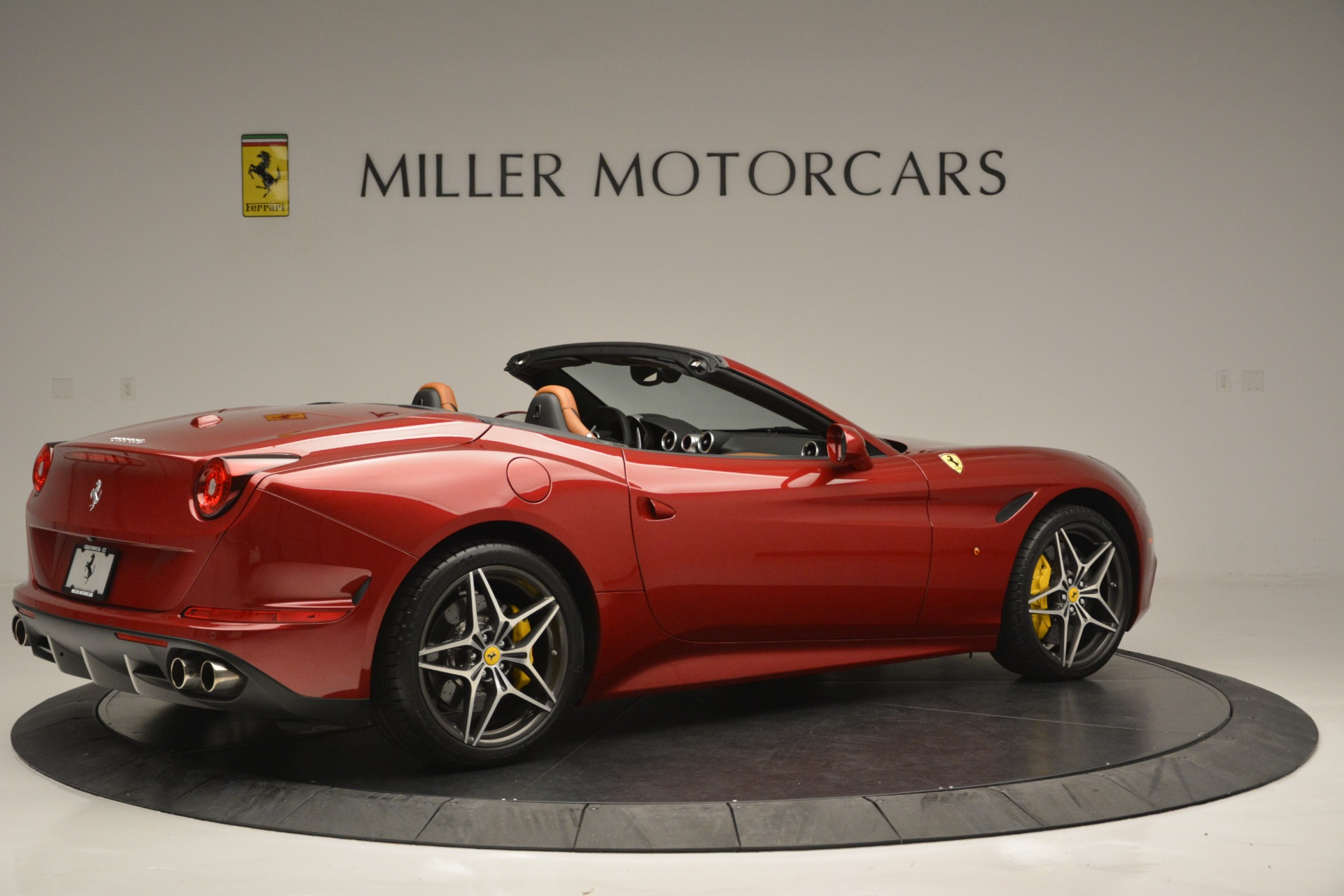 Used 2016 Ferrari California T  For Sale In Westport, CT 2534_p8