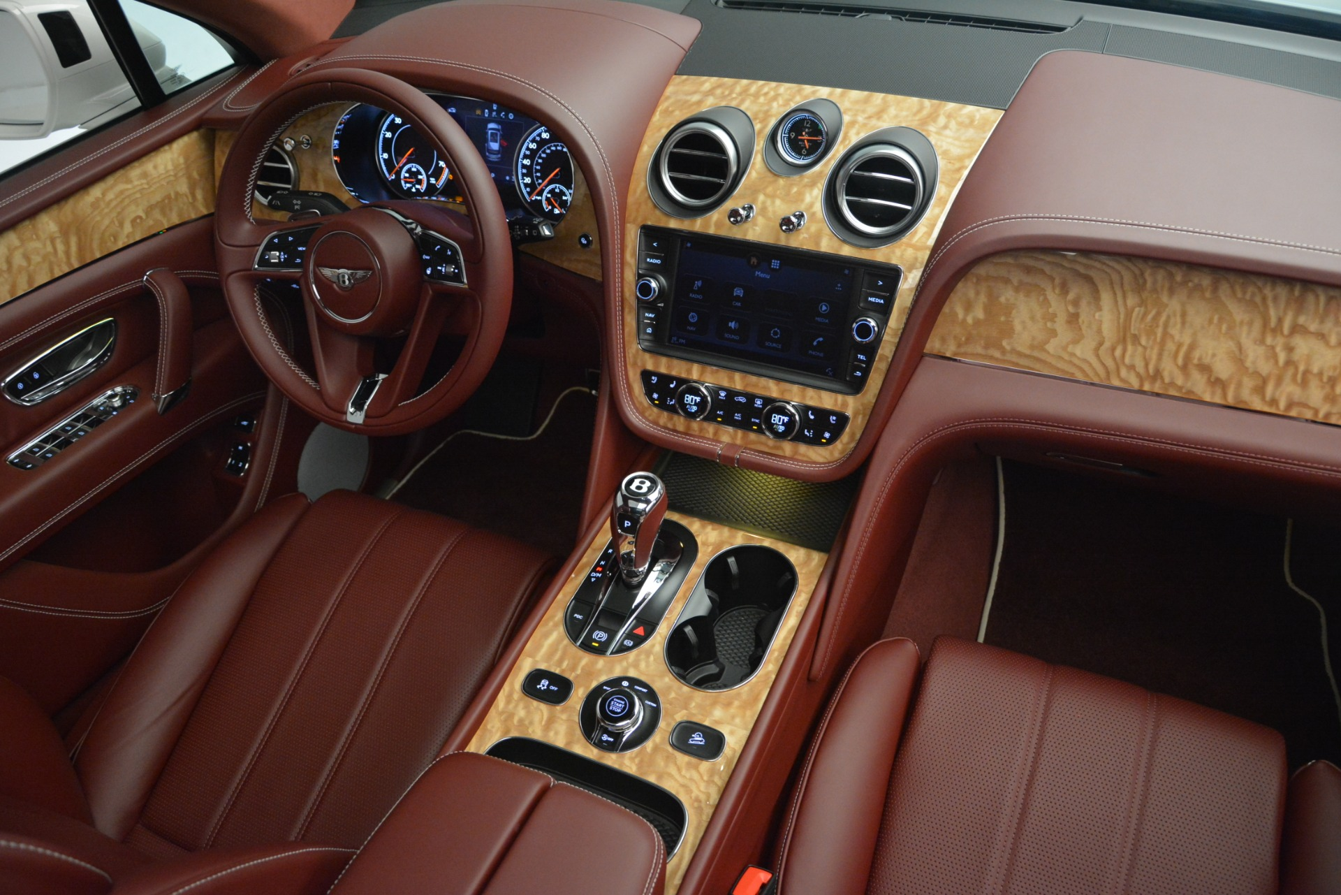 New 2019 Bentley Bentayga V8 For Sale In Westport, CT 2535_p31