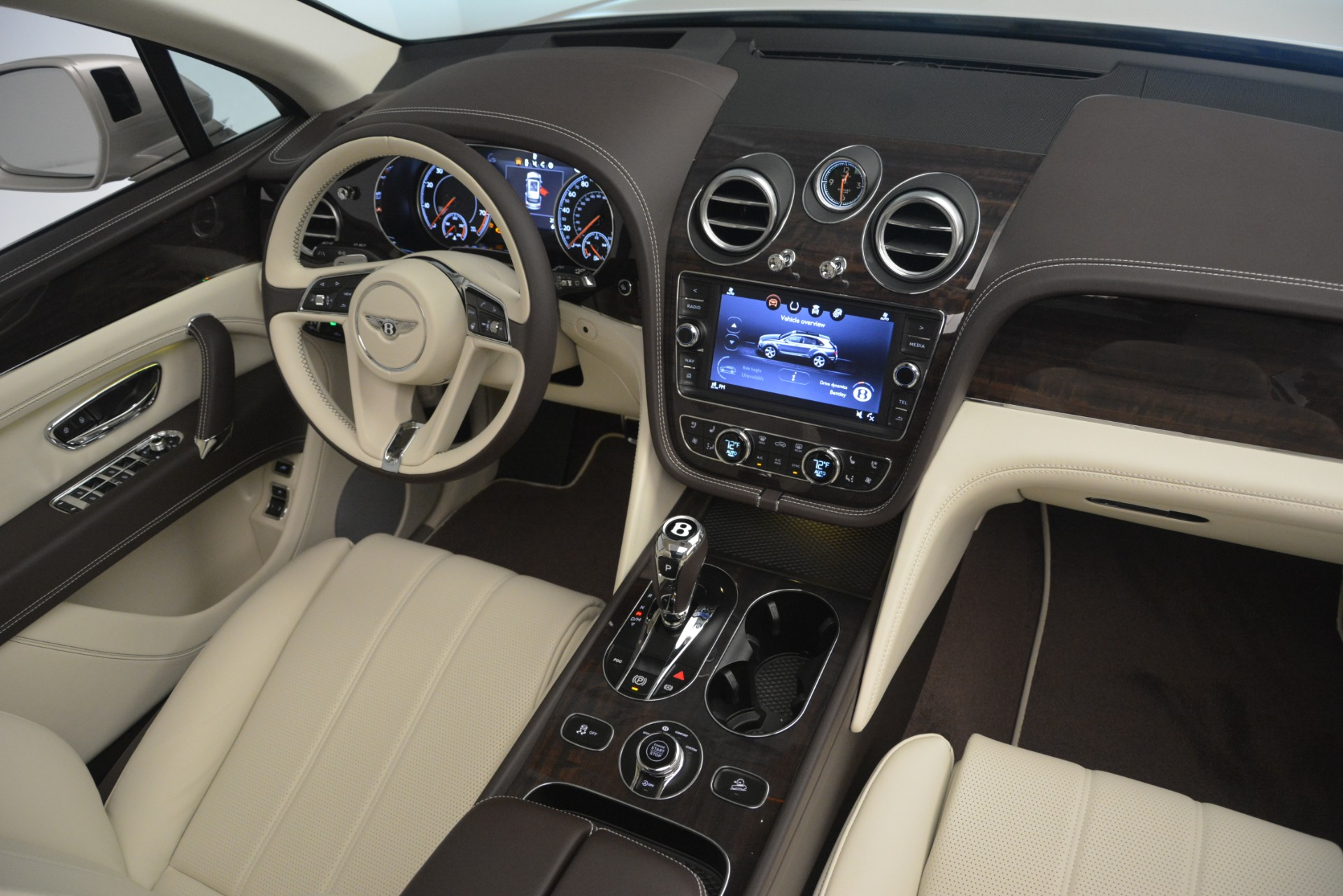 New 2019 Bentley Bentayga V8 For Sale In Westport, CT 2538_p30