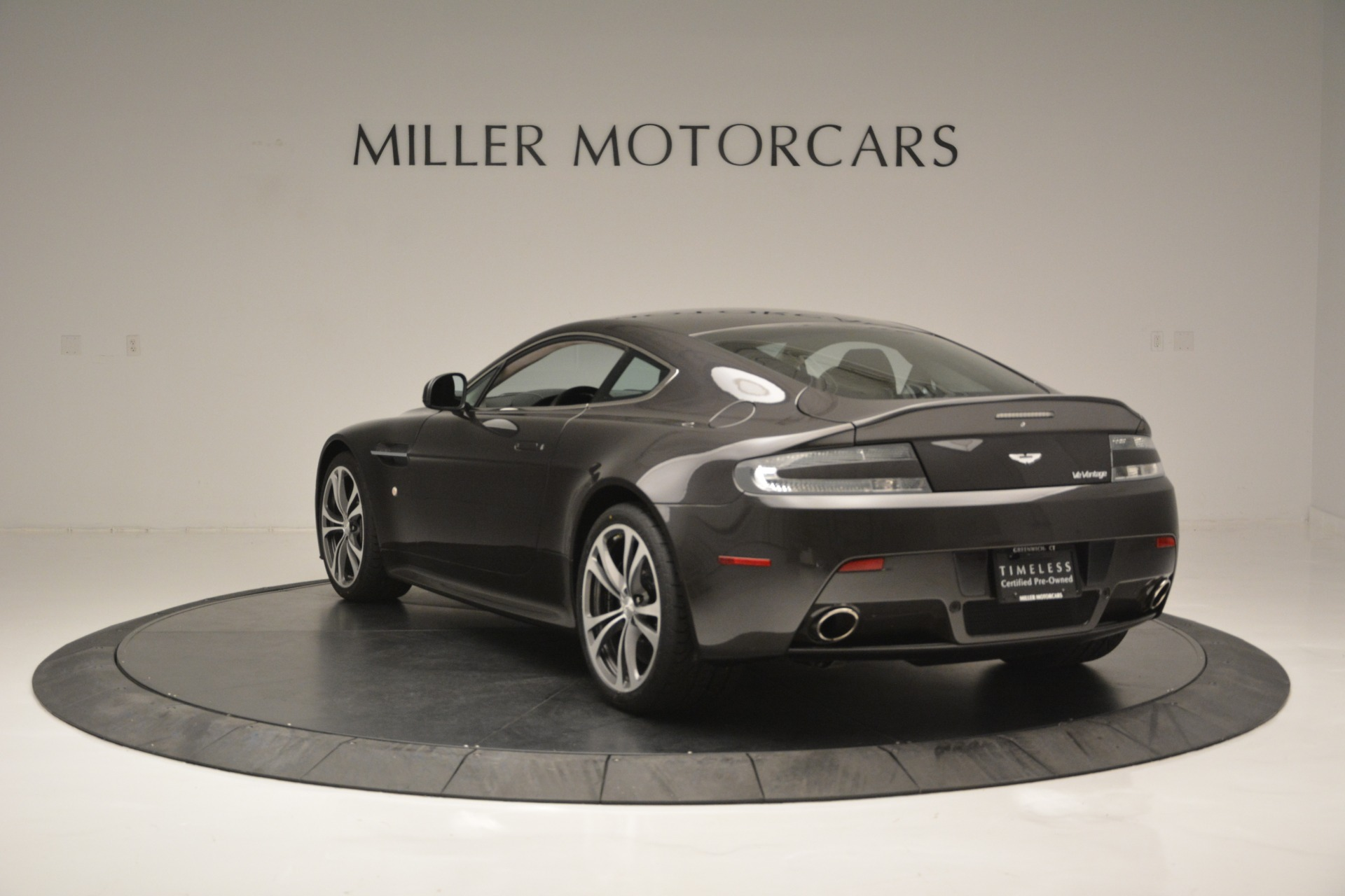 Used 2012 Aston Martin V12 Vantage Coupe For Sale In Westport, CT 2544_p5