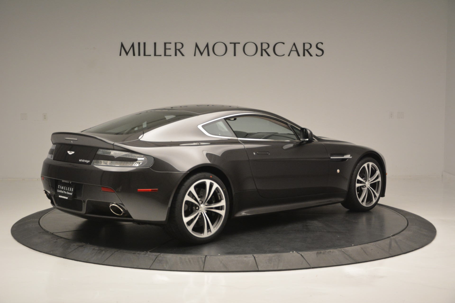 Used 2012 Aston Martin V12 Vantage Coupe For Sale In Westport, CT 2544_p8
