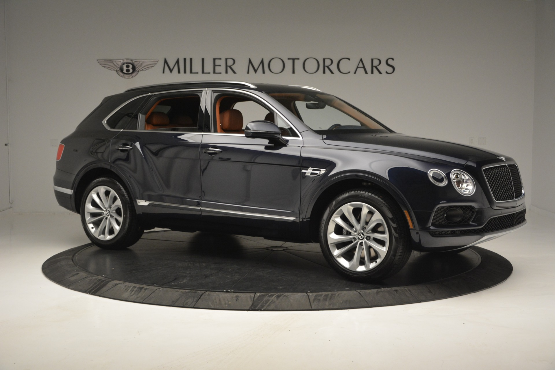 New 2019 Bentley Bentayga V8 For Sale In Westport, CT 2548_p10