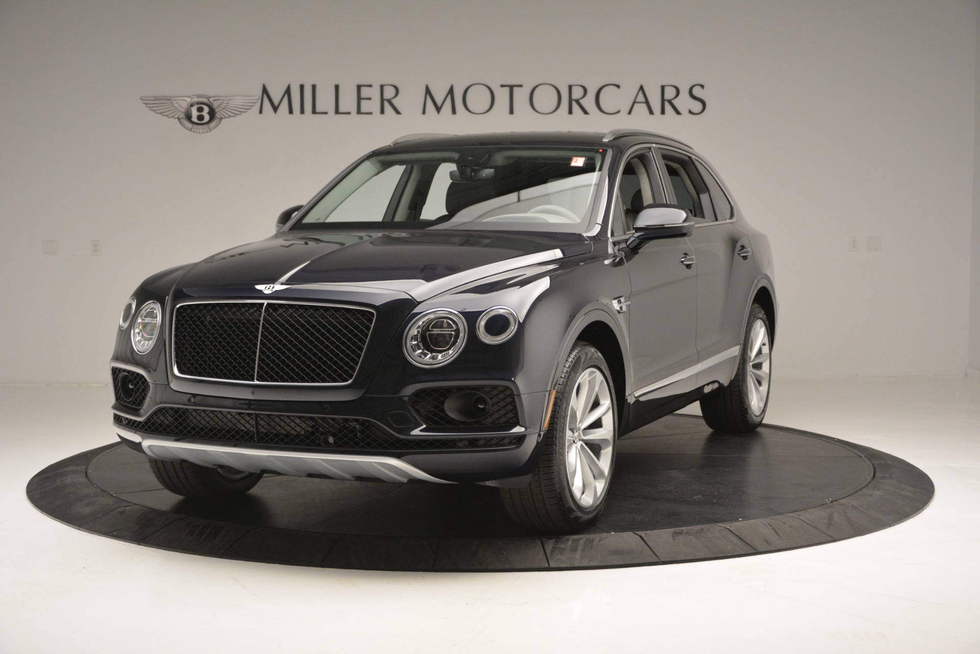 Used 2019 Bentley Bentayga V8 For Sale In Westport, CT 2549_main