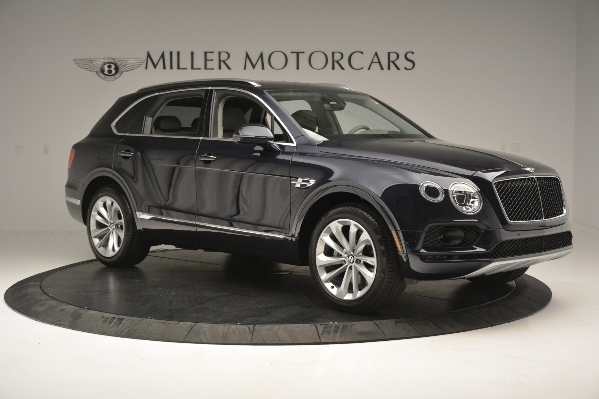 Used 2019 Bentley Bentayga V8 For Sale In Westport, CT 2549_p10