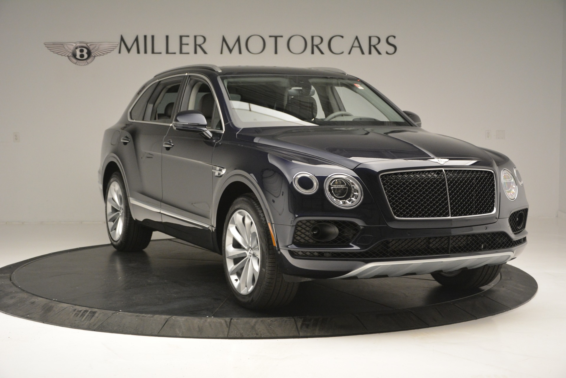 Used 2019 Bentley Bentayga V8 For Sale In Westport, CT 2549_p11
