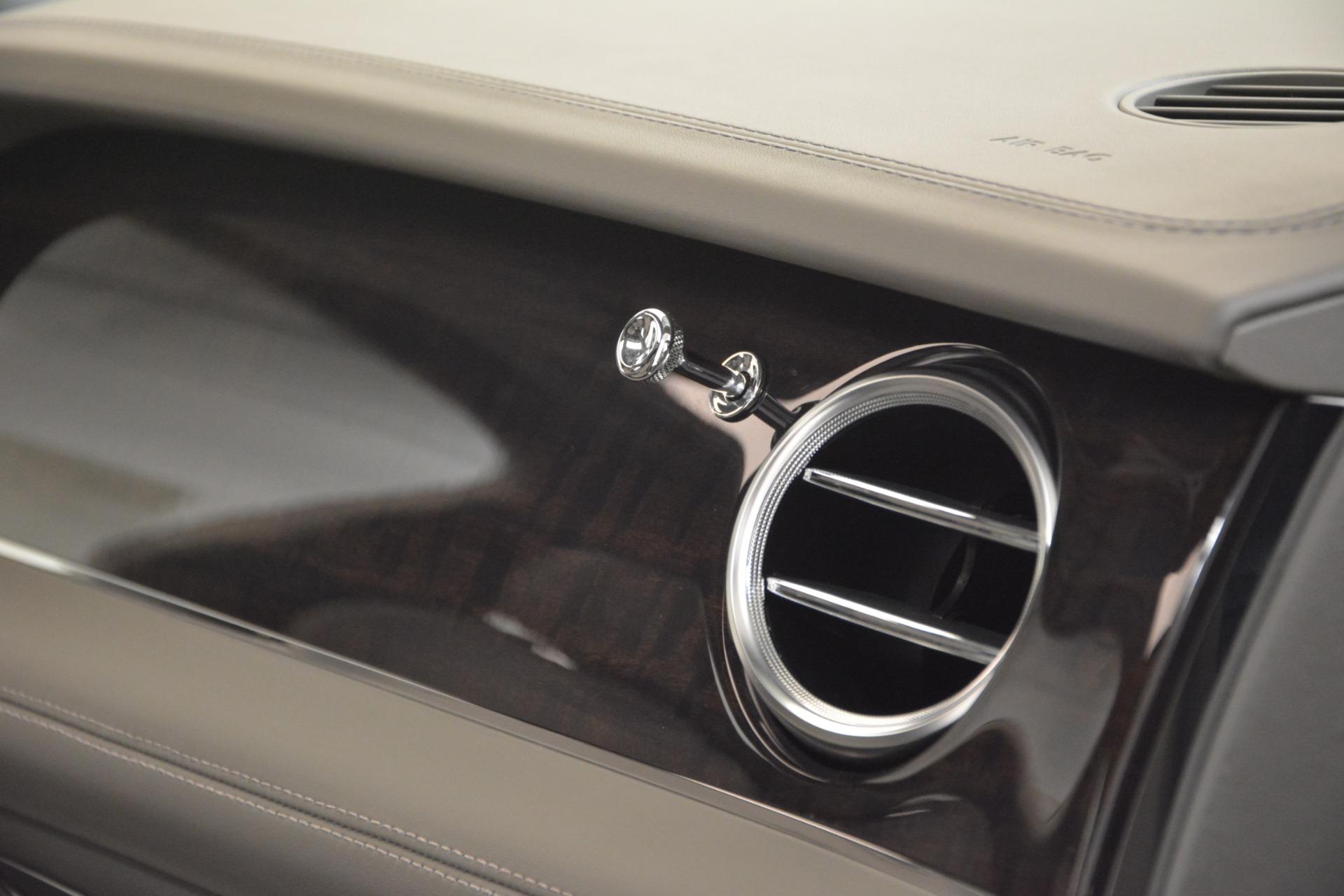 New 2019 Bentley Bentayga V8 For Sale In Westport, CT 2549_p23