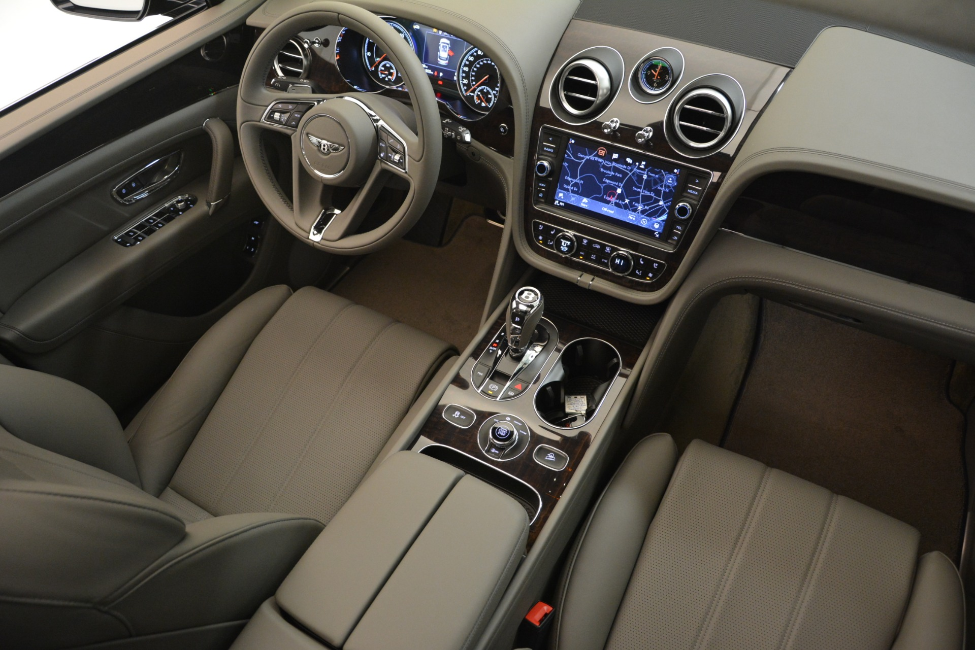 New 2019 Bentley Bentayga V8 For Sale In Westport, CT 2549_p28