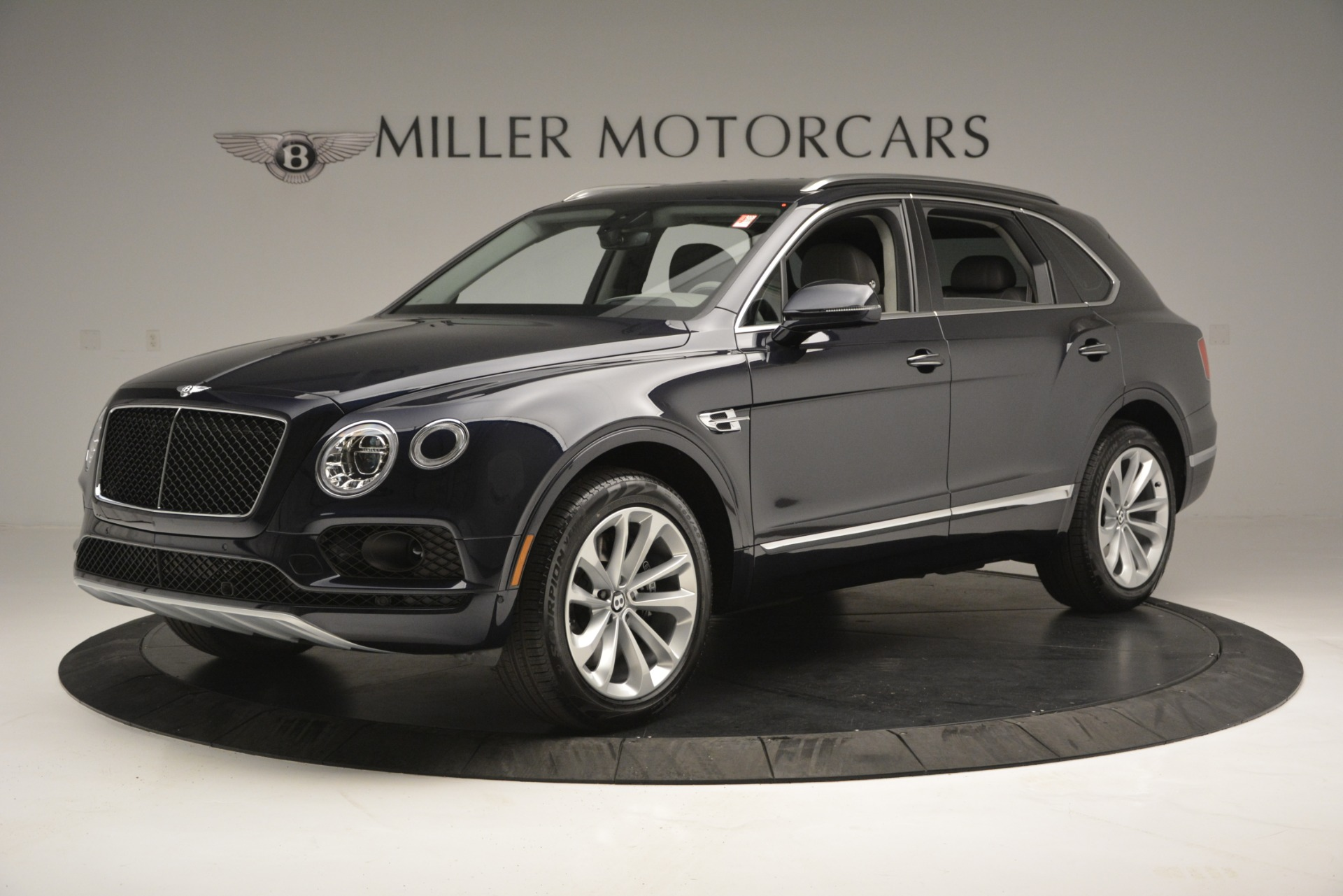 Used 2019 Bentley Bentayga V8 For Sale In Westport, CT 2549_p2