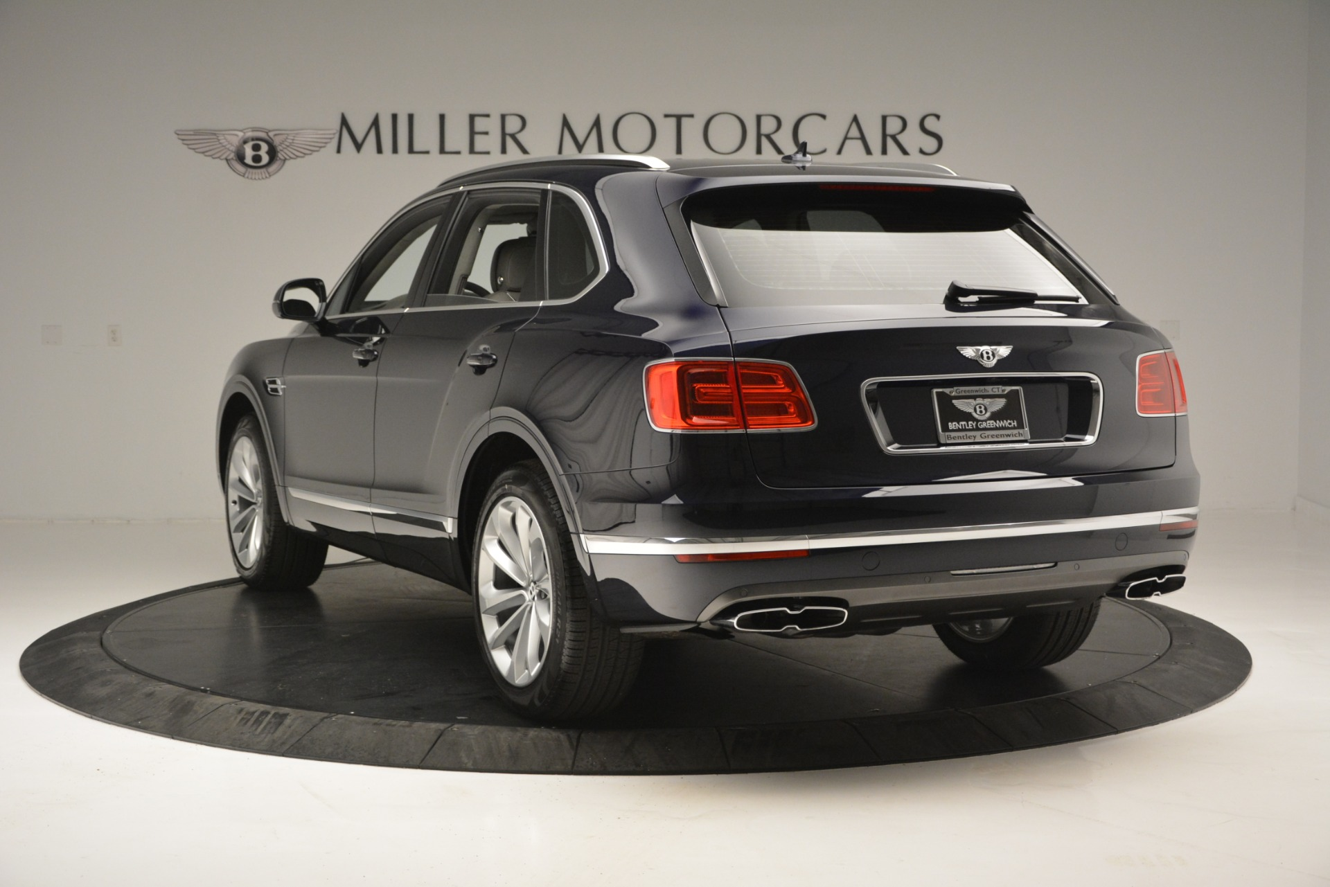 Used 2019 Bentley Bentayga V8 For Sale In Westport, CT 2549_p5