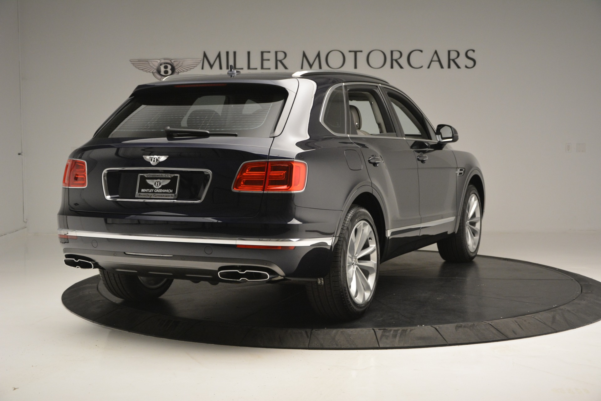 Used 2019 Bentley Bentayga V8 For Sale In Westport, CT 2549_p7