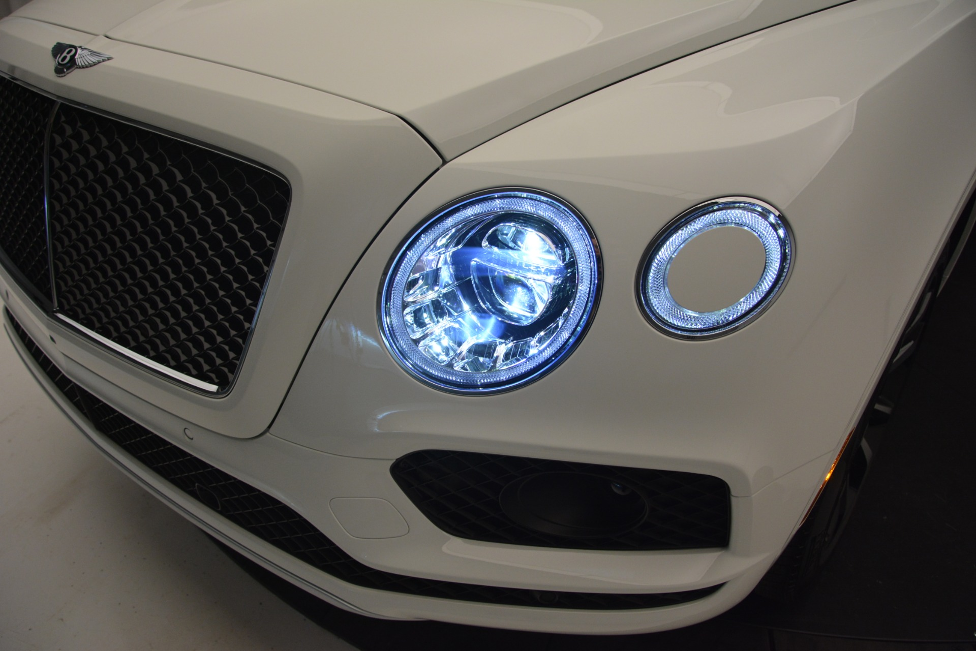 New 2019 Bentley Bentayga V8 For Sale In Westport, CT 2550_p14