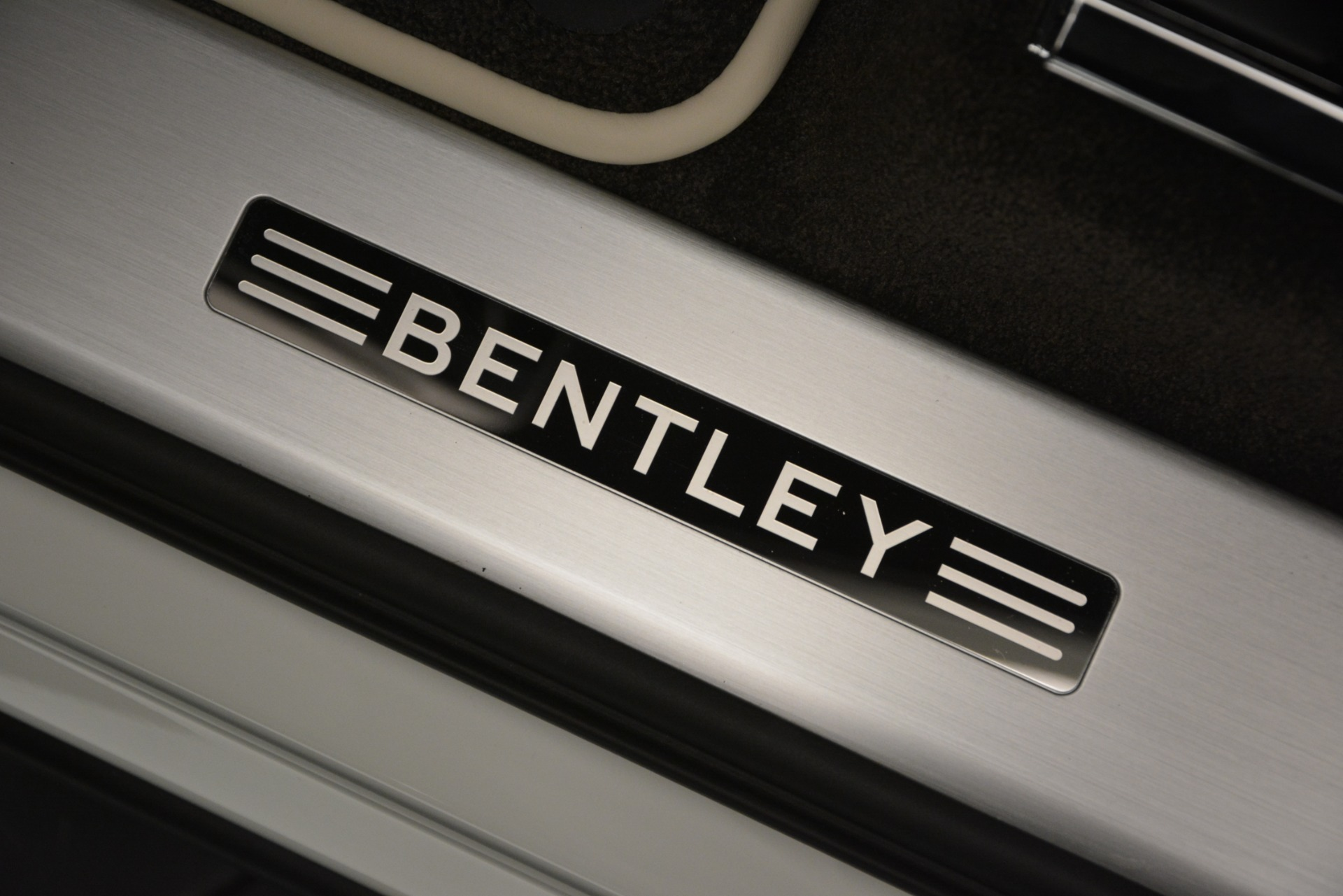 New 2019 Bentley Bentayga V8 For Sale In Westport, CT 2550_p17