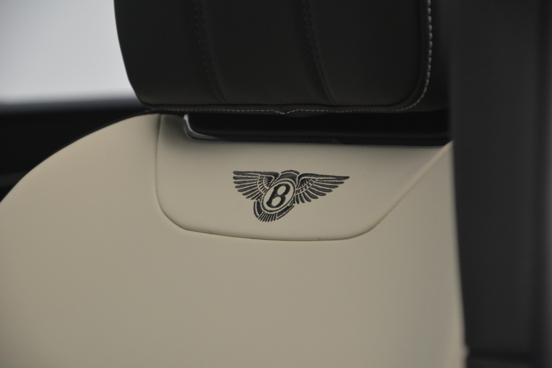 New 2019 Bentley Bentayga V8 For Sale In Westport, CT 2550_p21