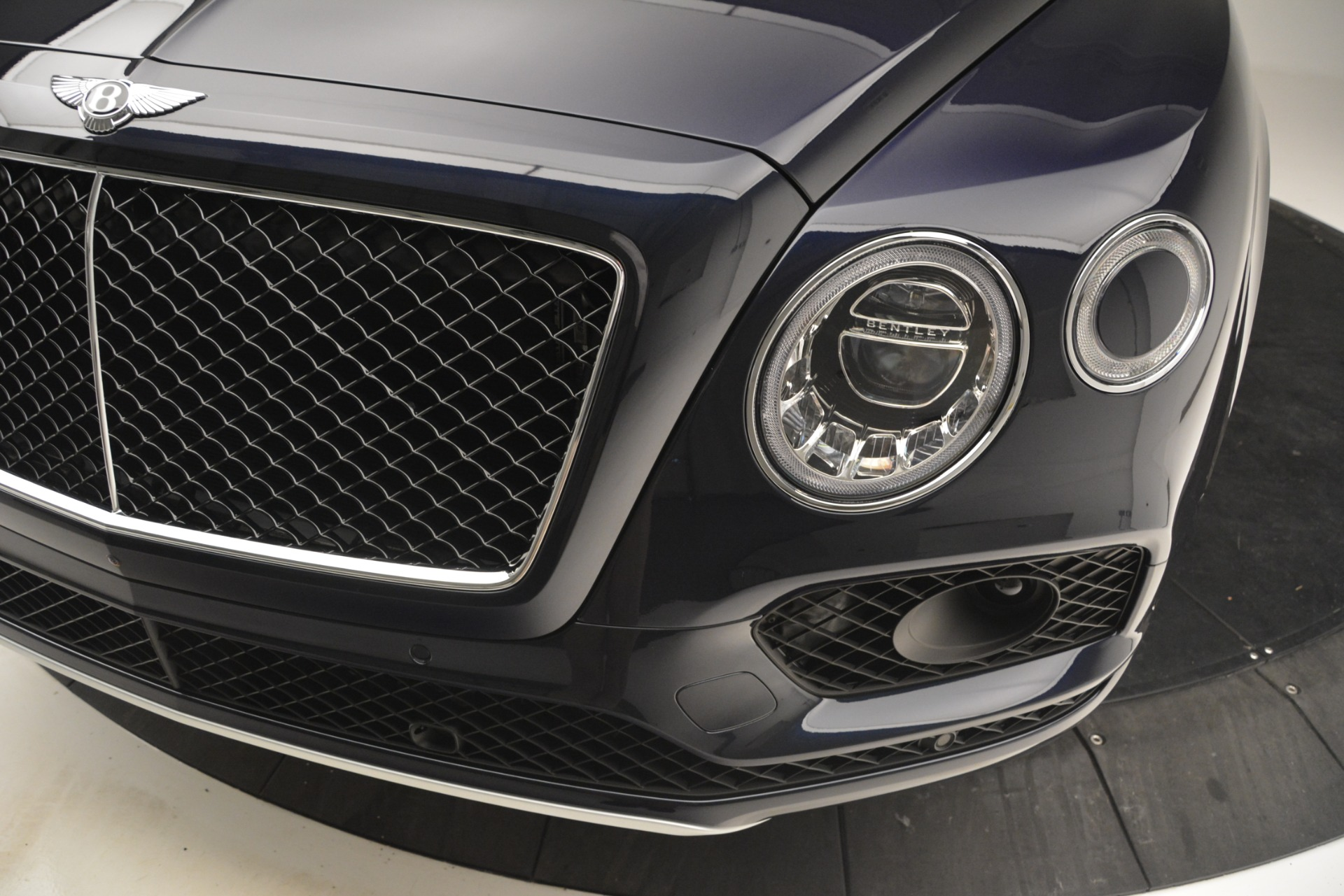 New 2019 Bentley Bentayga V8 For Sale In Westport, CT 2551_p14