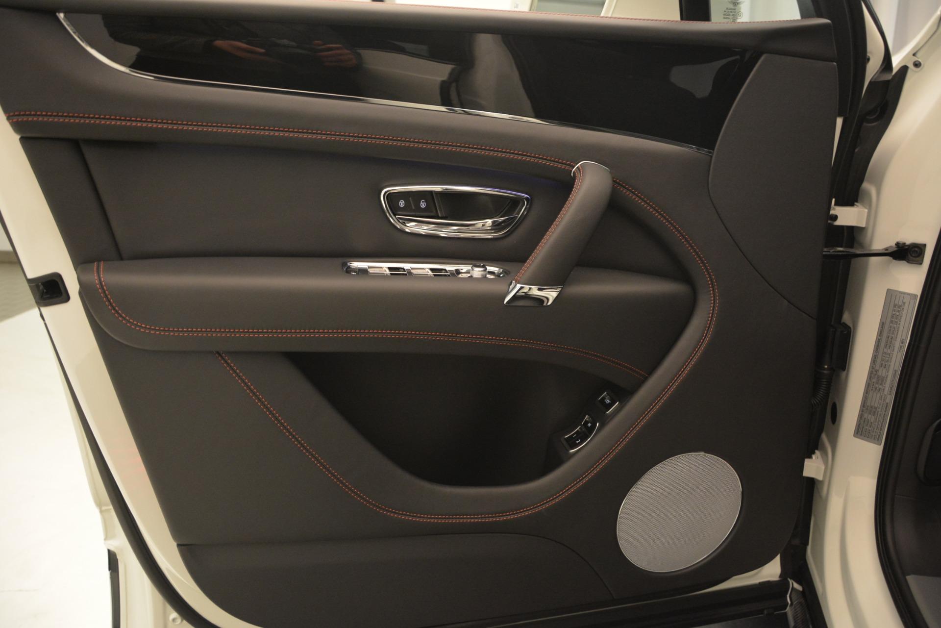 New 2019 Bentley Bentayga V8 For Sale In Westport, CT 2553_p18