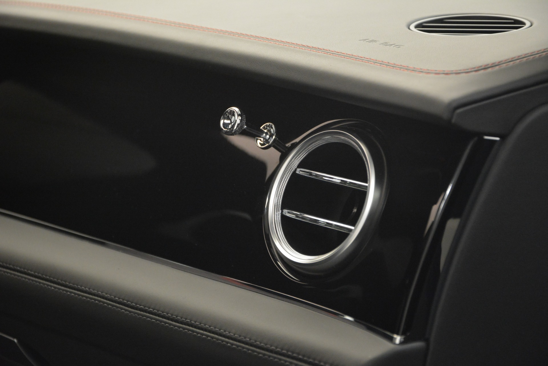 New 2019 Bentley Bentayga V8 For Sale In Westport, CT 2553_p24