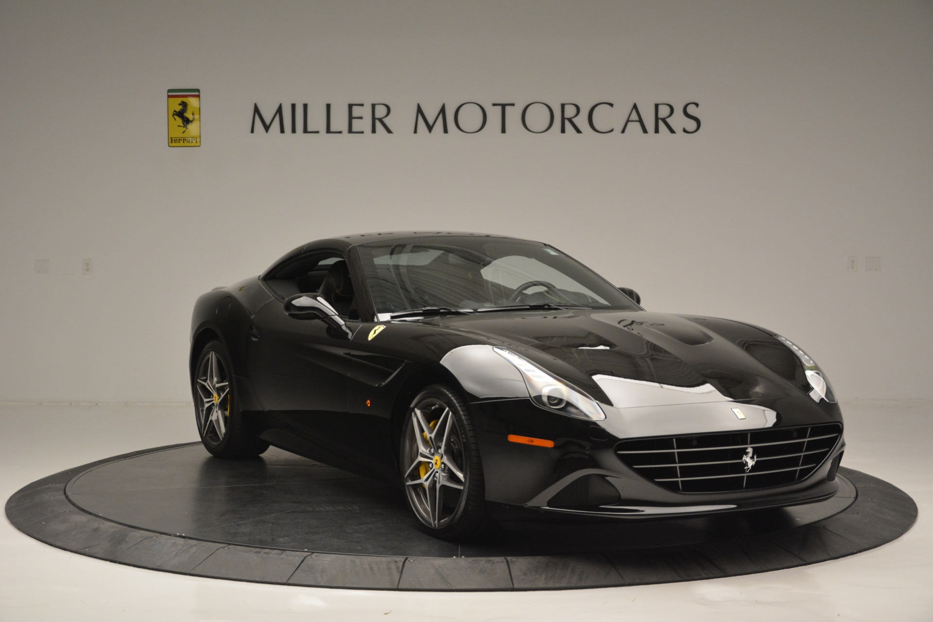 Used 2017 Ferrari California T Handling Speciale For Sale In Westport, CT 2554_p23