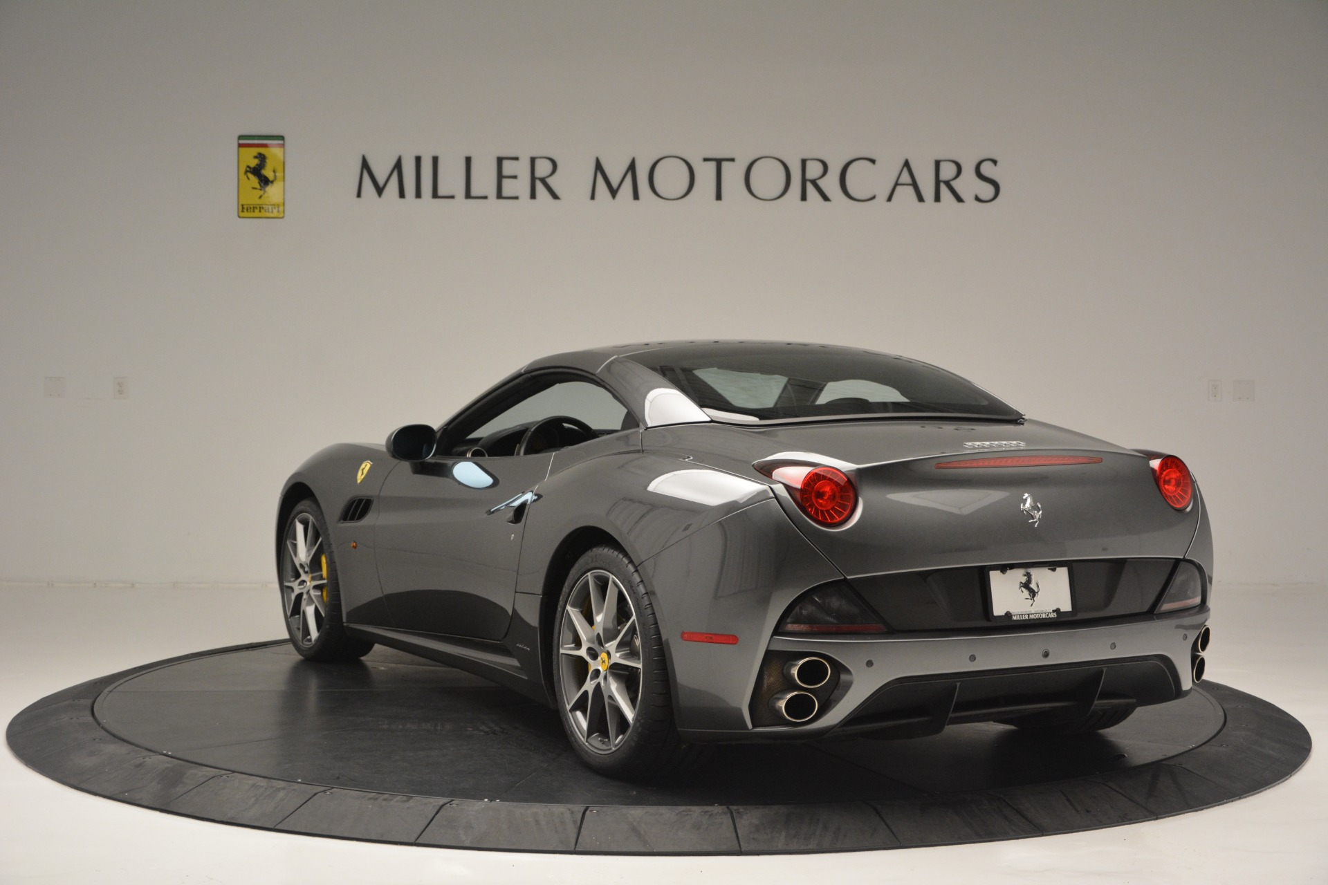 Used 2013 Ferrari California 30 For Sale In Westport, CT 2559_p17