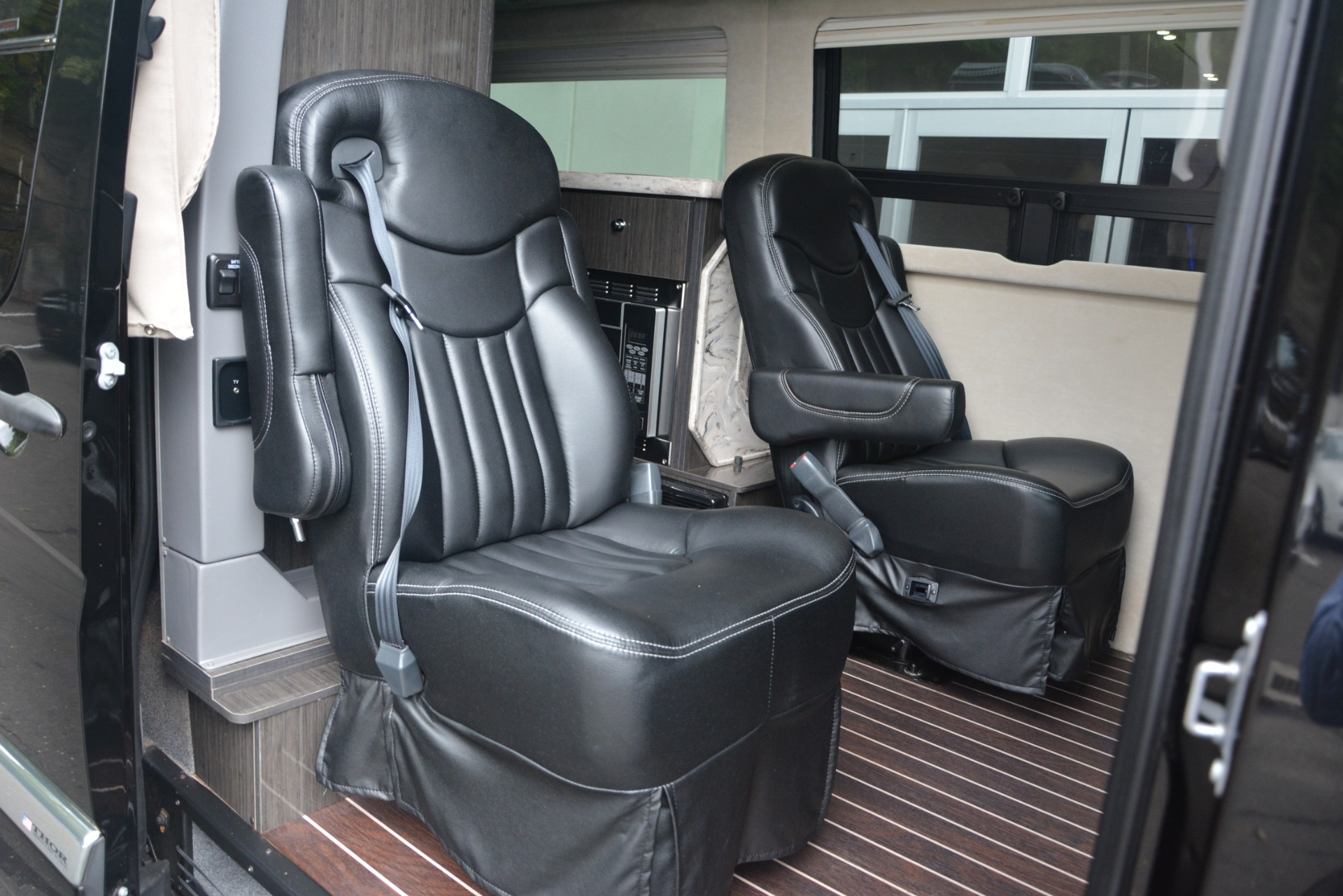 Used 2014 Mercedes-Benz Sprinter 3500 Airstream Lounge Extended For Sale In Westport, CT 2595_p13