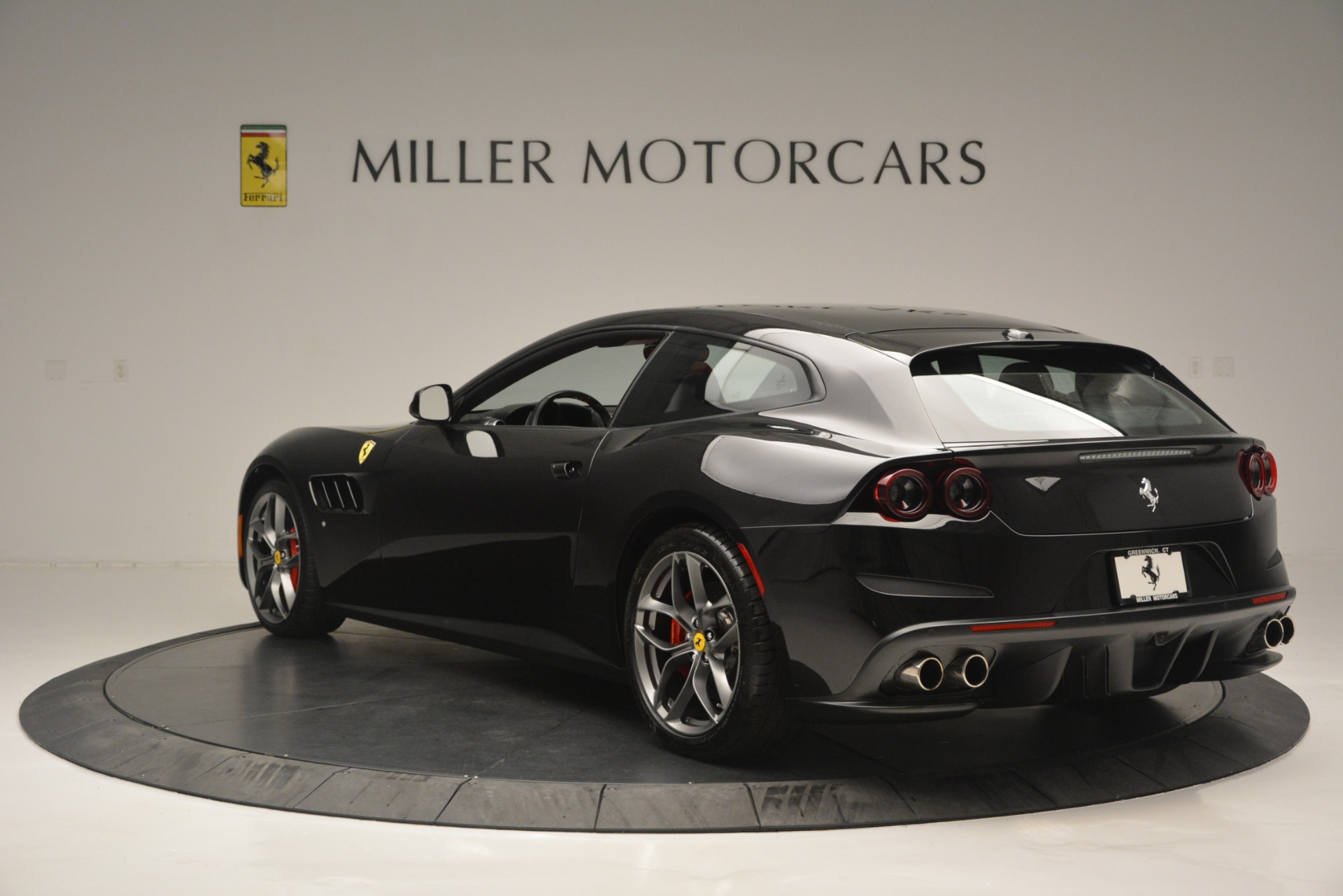 Used 2018 Ferrari GTC4LussoT V8 For Sale In Westport, CT 2598_p5