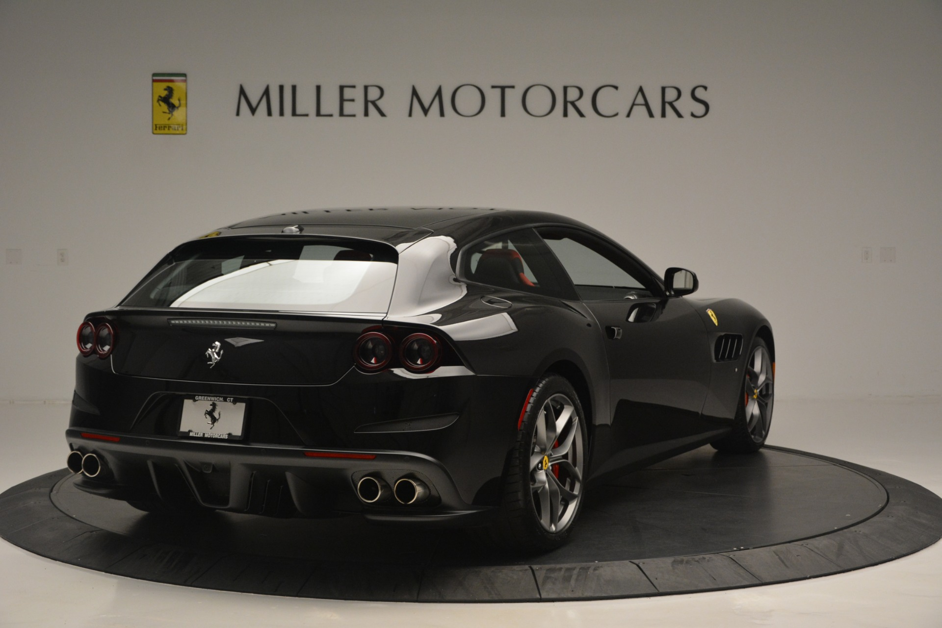Used 2018 Ferrari GTC4LussoT V8 For Sale In Westport, CT 2598_p7