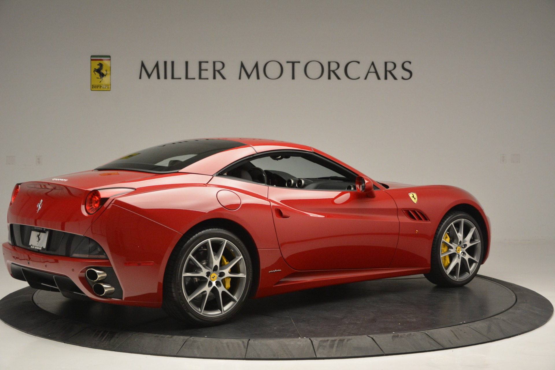 Used 2011 Ferrari California  For Sale In Westport, CT 2618_p16