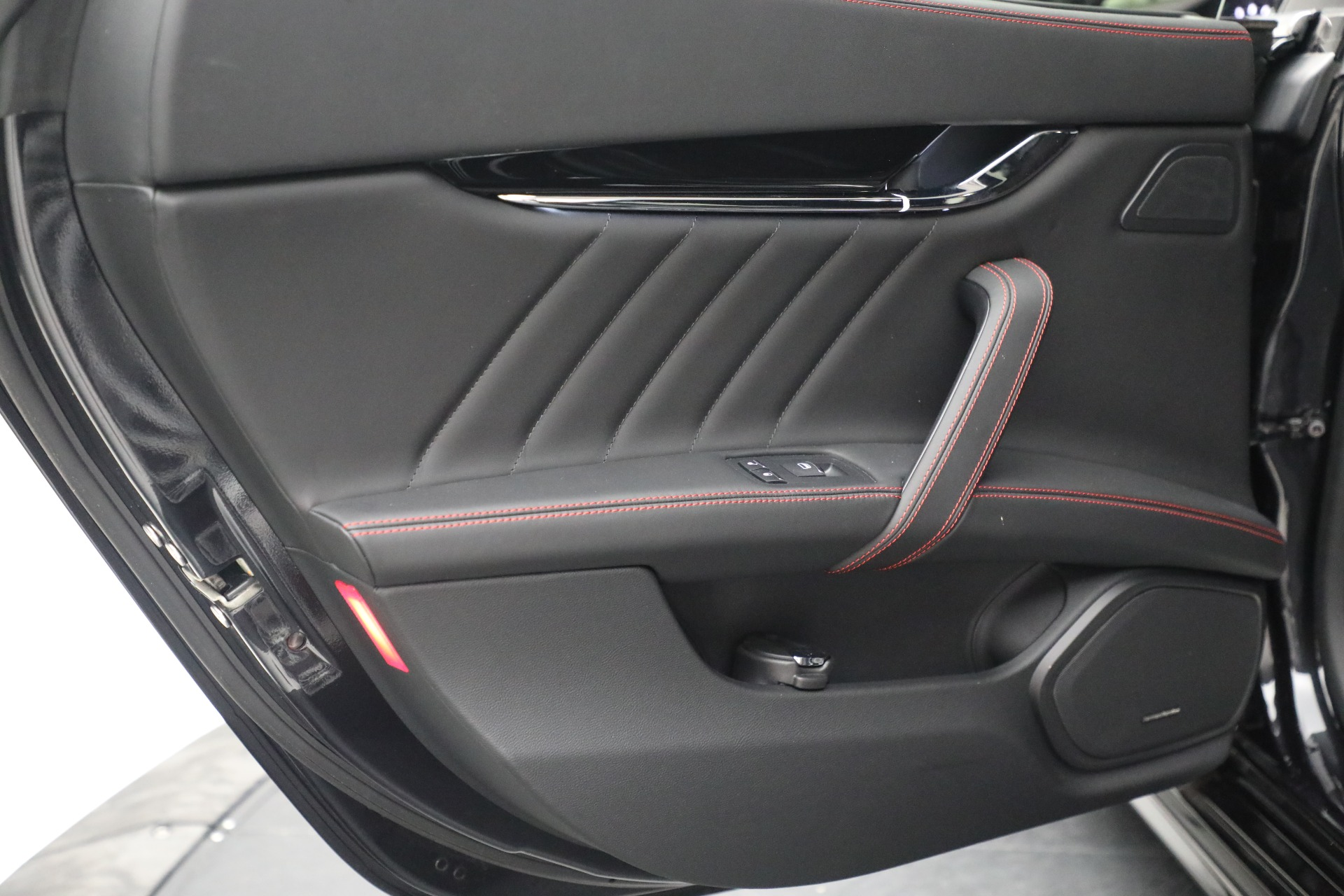 New 2019 Maserati Quattroporte S Q4 GranLusso For Sale In Westport, CT 2619_p25