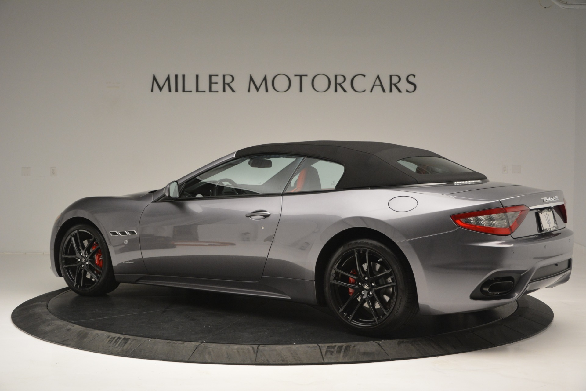 Used 2018 Maserati GranTurismo Sport For Sale In Westport, CT 2637_p14