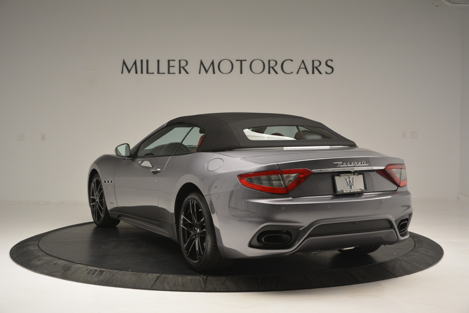 Used 2018 Maserati GranTurismo Sport For Sale In Westport, CT 2637_p15