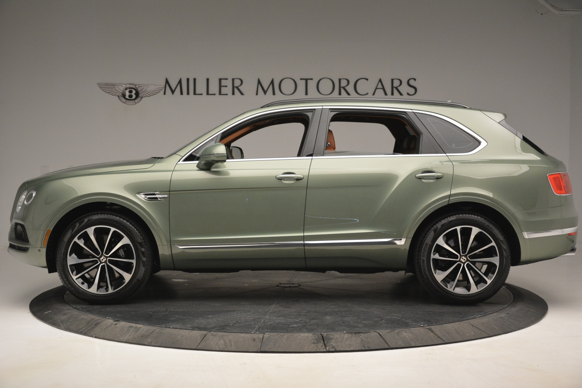New 2019 Bentley Bentayga V8 For Sale In Westport, CT 2644_p3