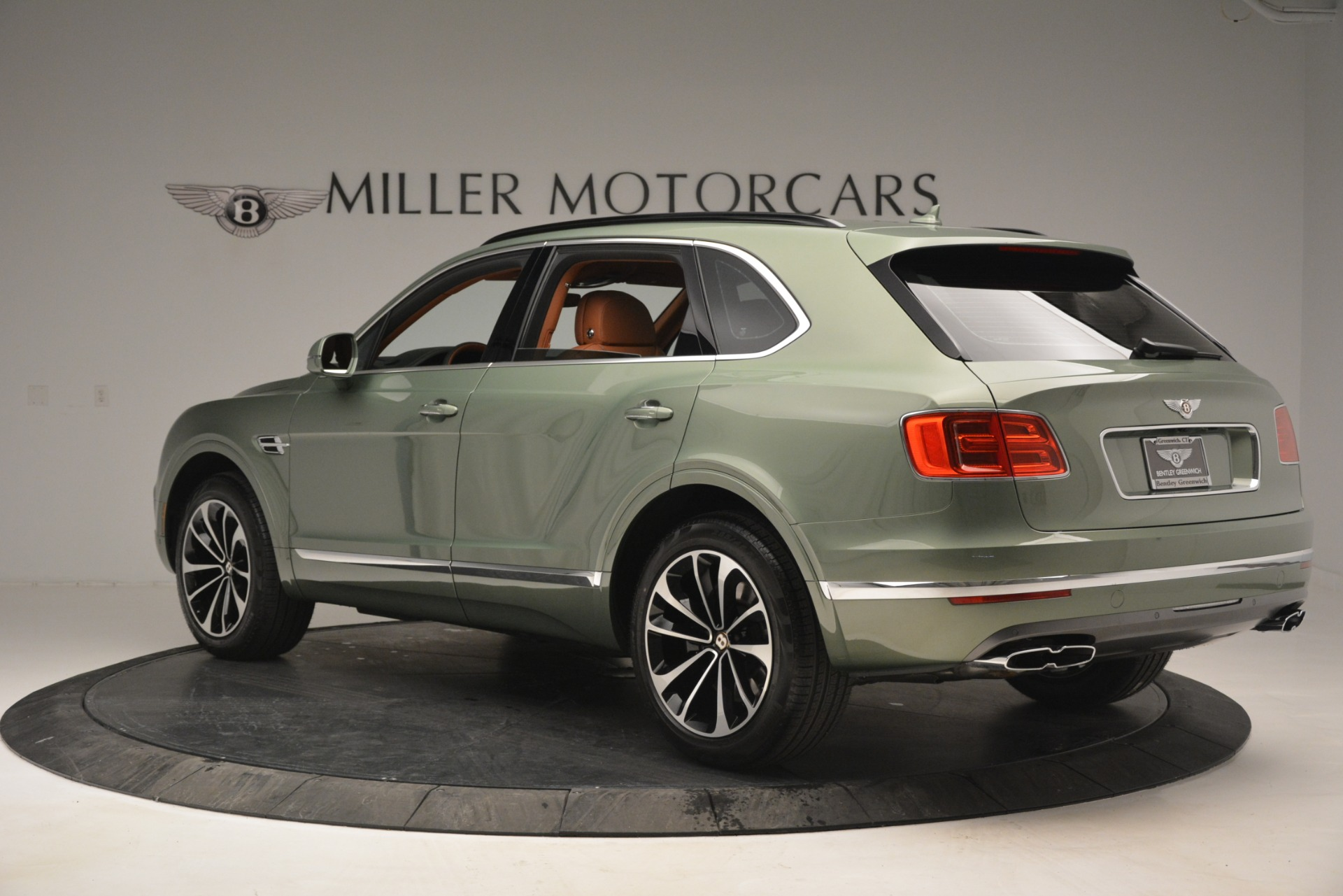 New 2019 Bentley Bentayga V8 For Sale In Westport, CT 2644_p4