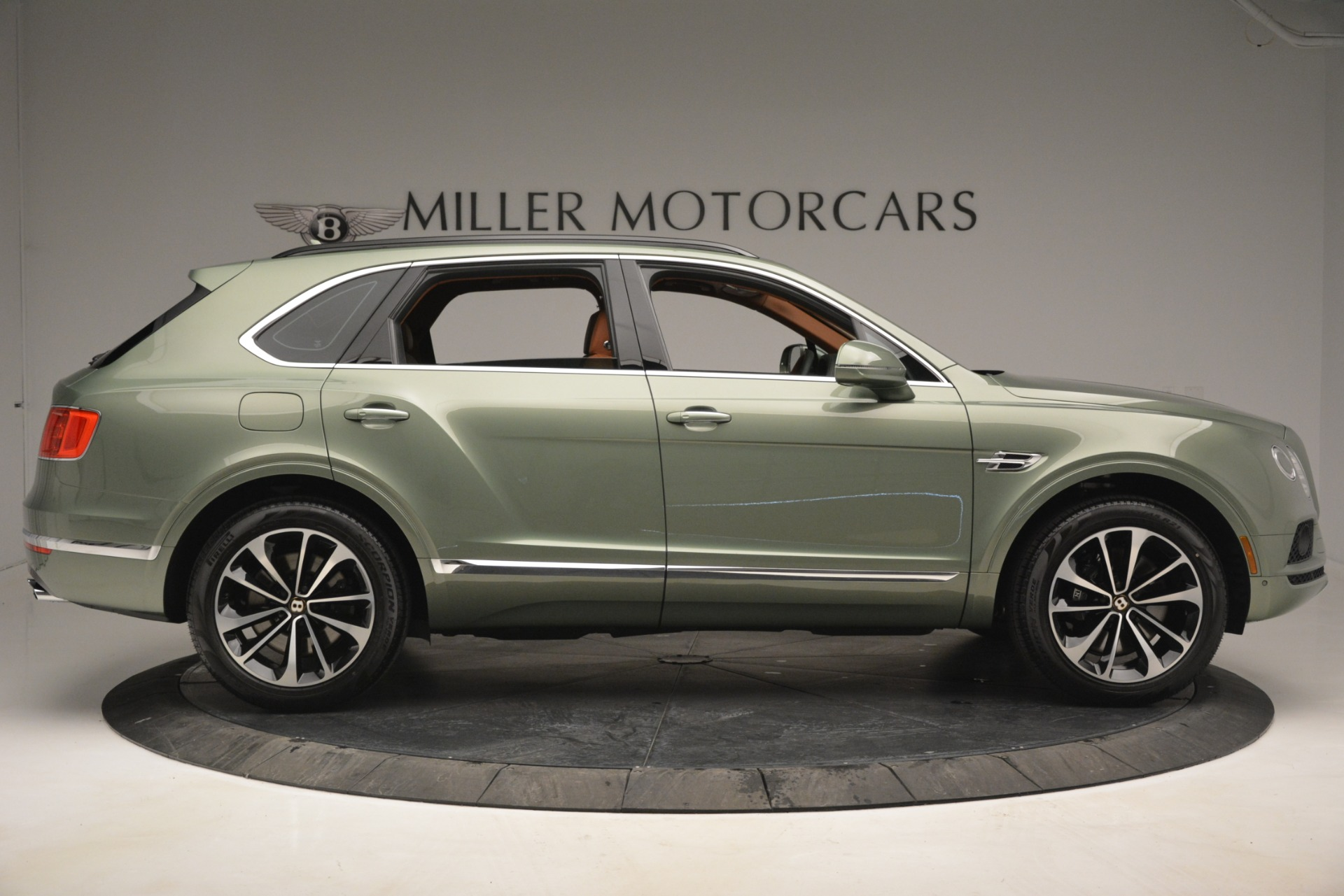 New 2019 Bentley Bentayga V8 For Sale In Westport, CT 2644_p9