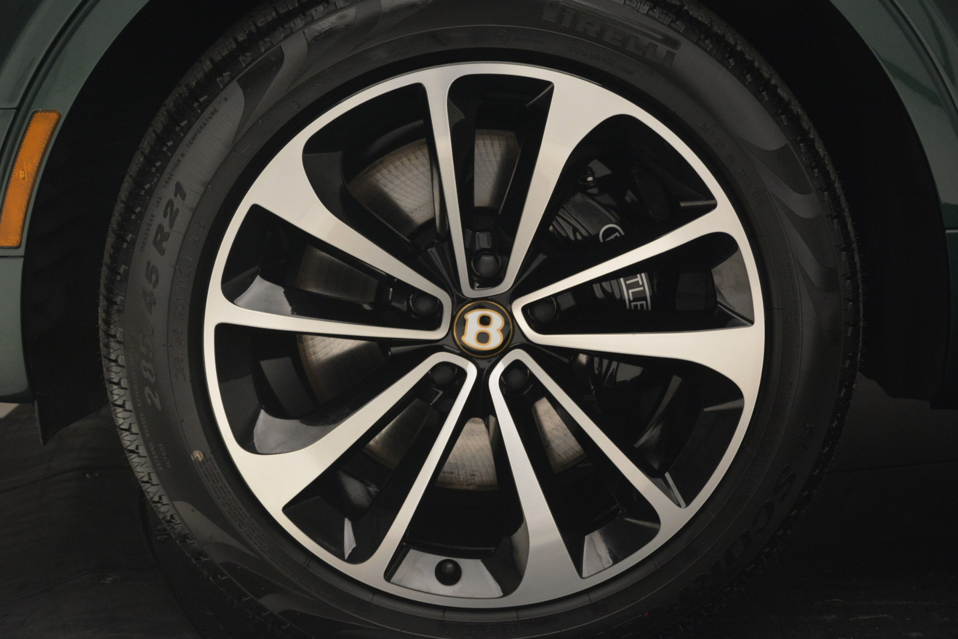 New 2019 Bentley Bentayga V8 For Sale In Westport, CT 2645_p16