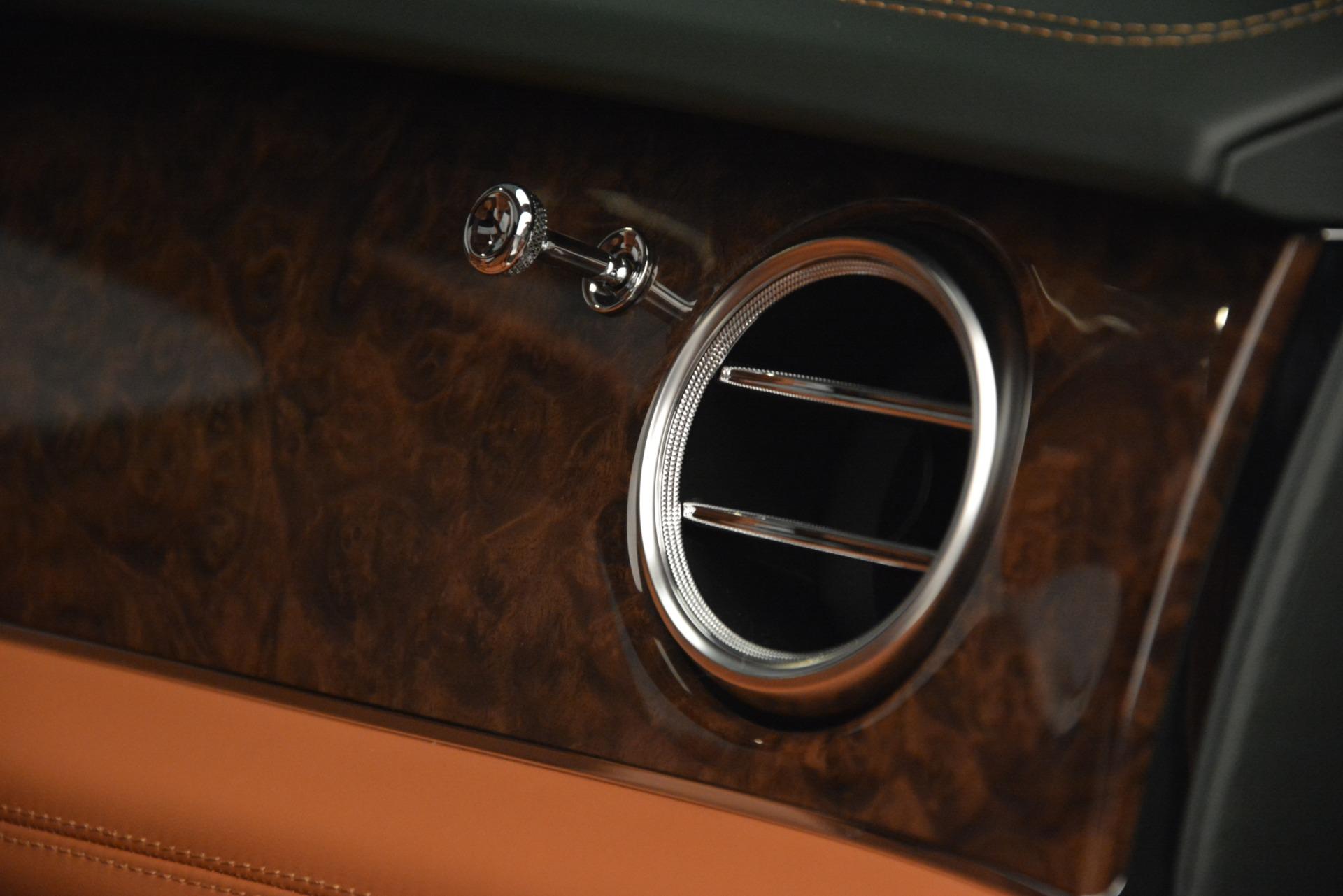 New 2019 Bentley Bentayga V8 For Sale In Westport, CT 2645_p24