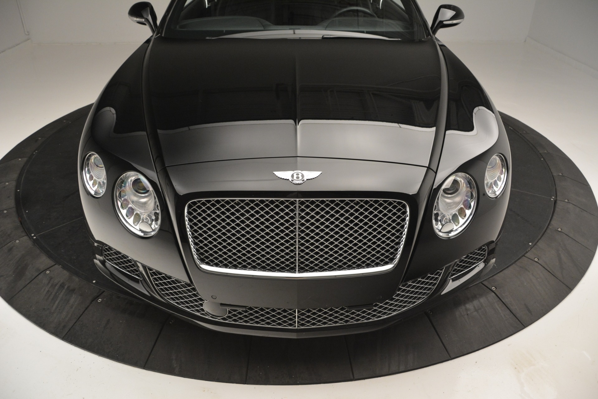 Used 2012 Bentley Continental GT W12 For Sale In Westport, CT 2671_p14
