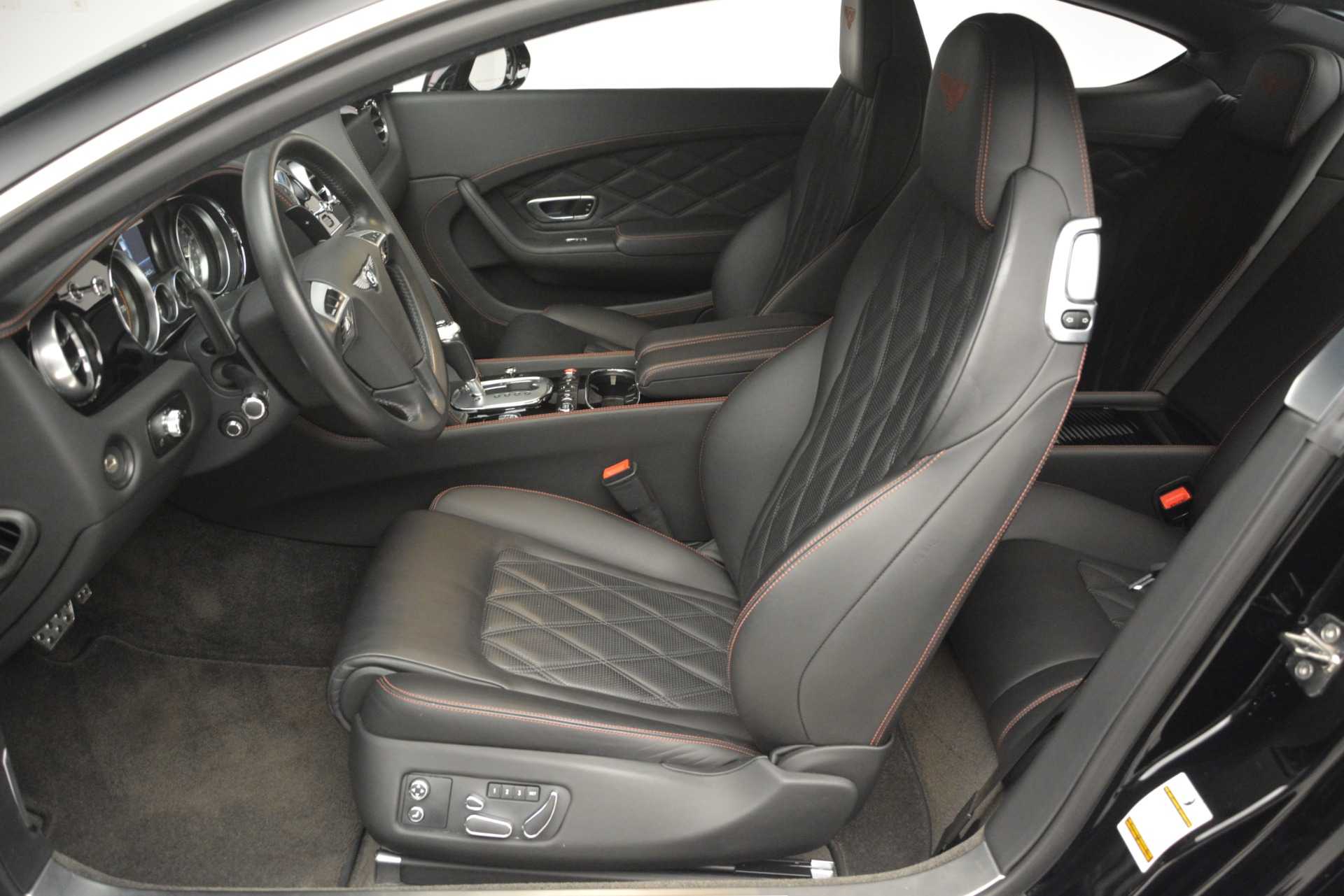 Used 2012 Bentley Continental GT W12 For Sale In Westport, CT 2671_p19