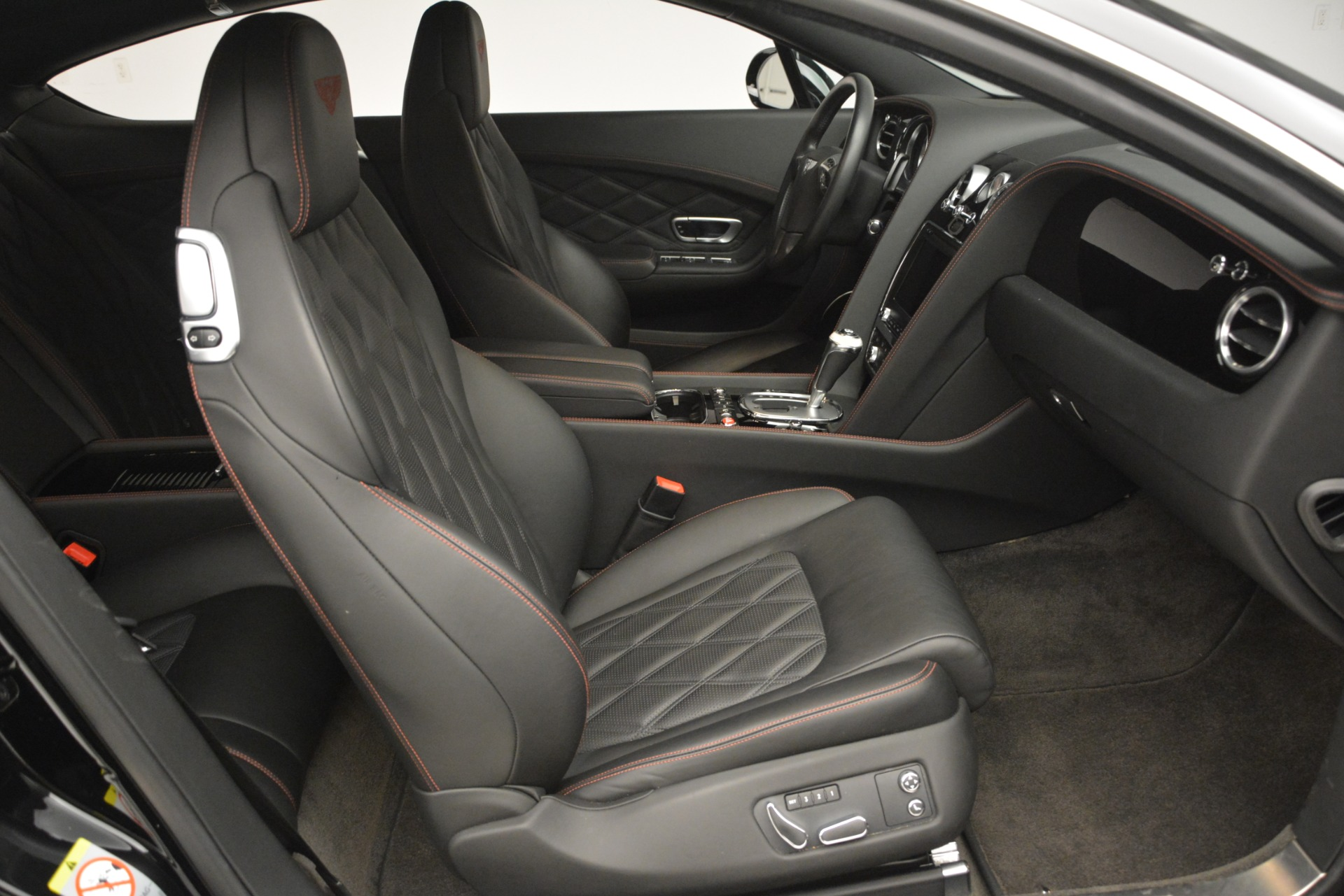 Used 2012 Bentley Continental GT W12 For Sale In Westport, CT 2671_p27