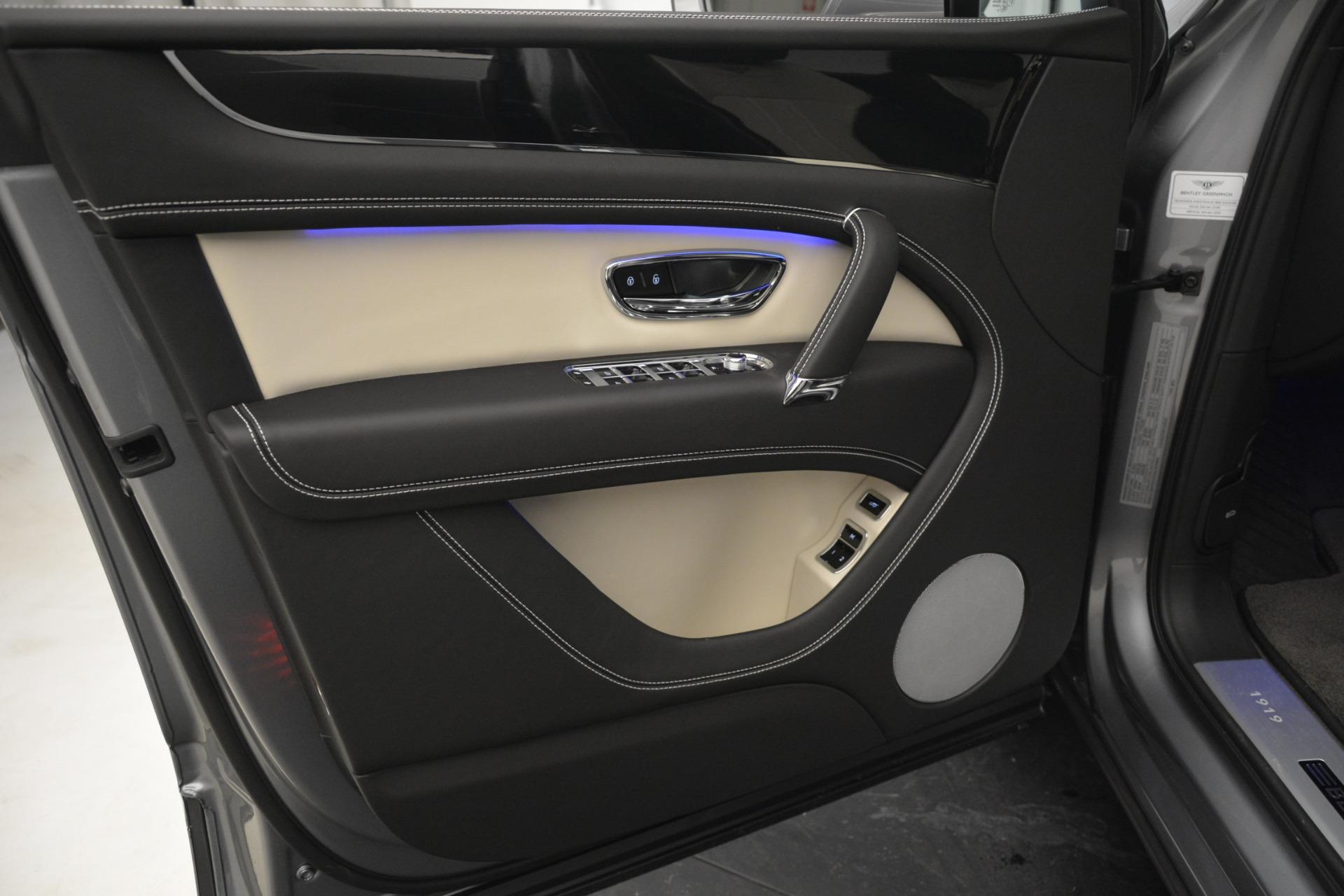 New 2019 Bentley Bentayga V8 For Sale In Westport, CT 2674_p17