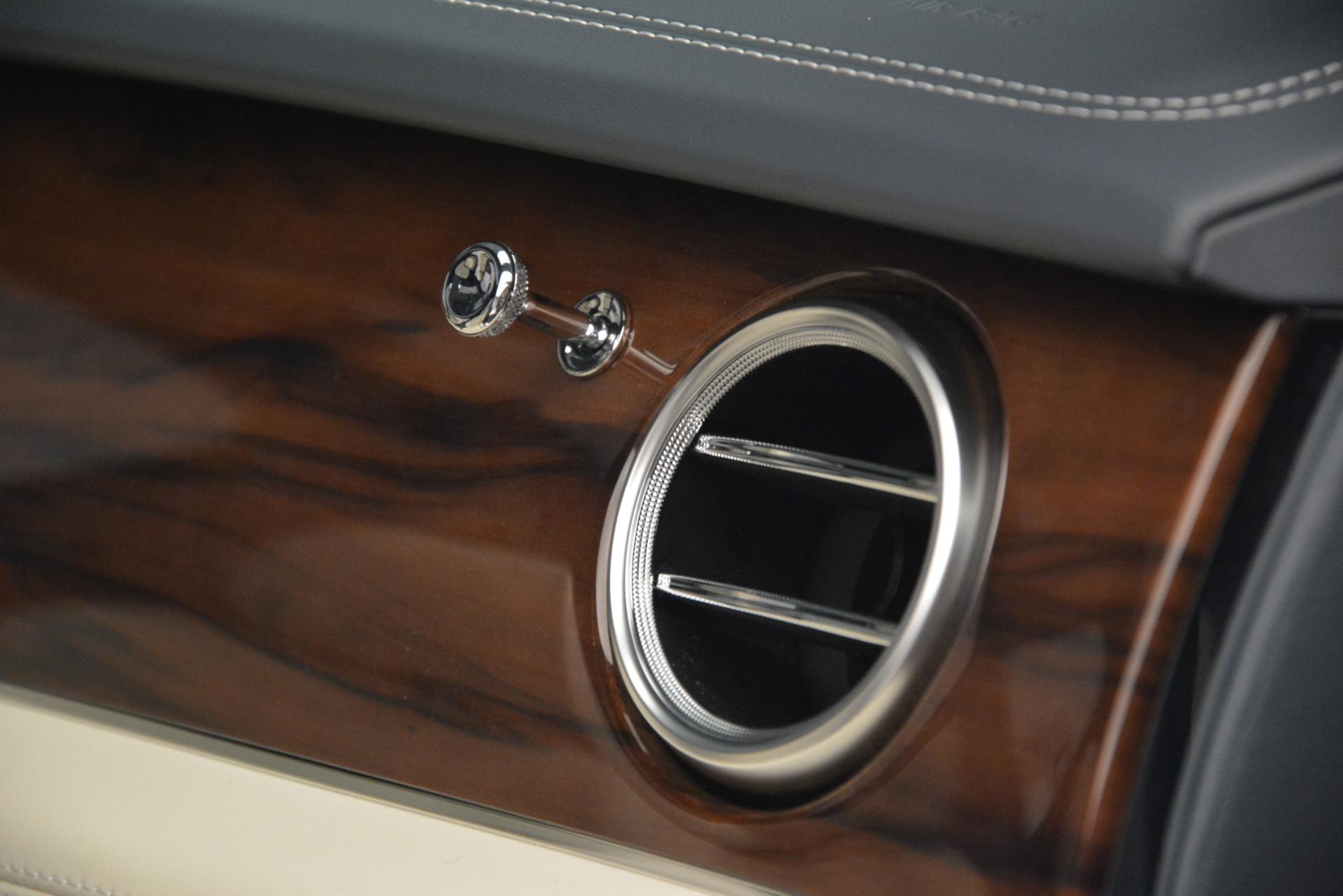 New 2019 Bentley Bentayga V8 For Sale In Westport, CT 2676_p26