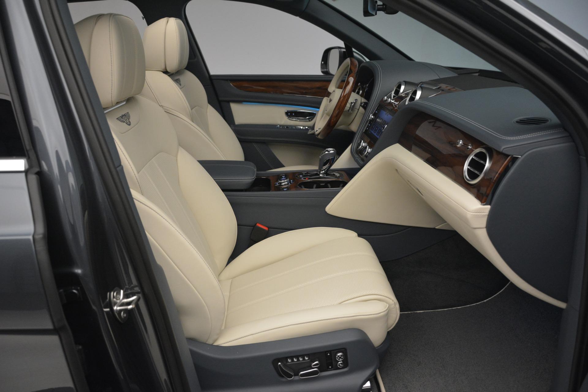 New 2019 Bentley Bentayga V8 For Sale In Westport, CT 2676_p28