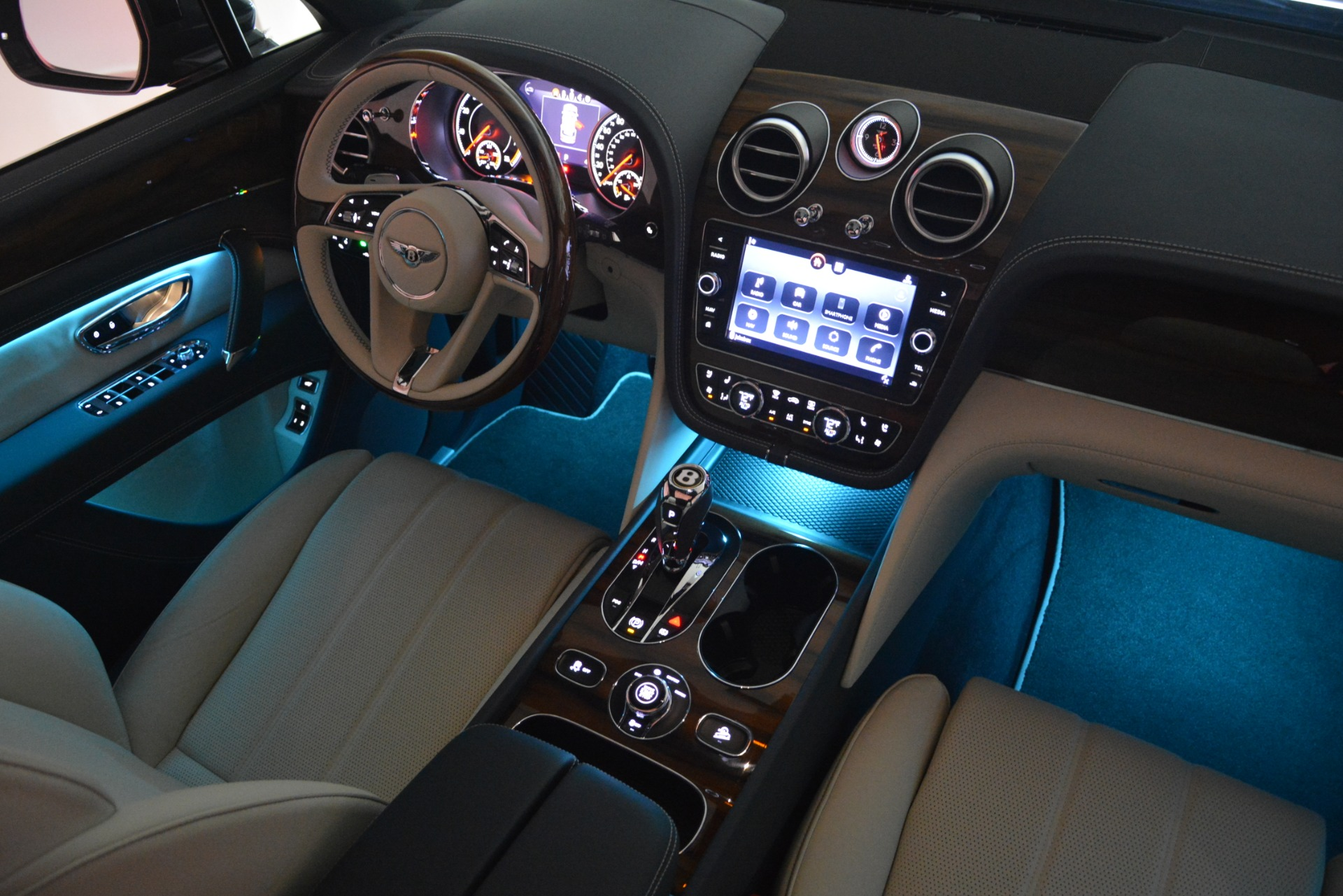 New 2019 Bentley Bentayga V8 For Sale In Westport, CT 2676_p32