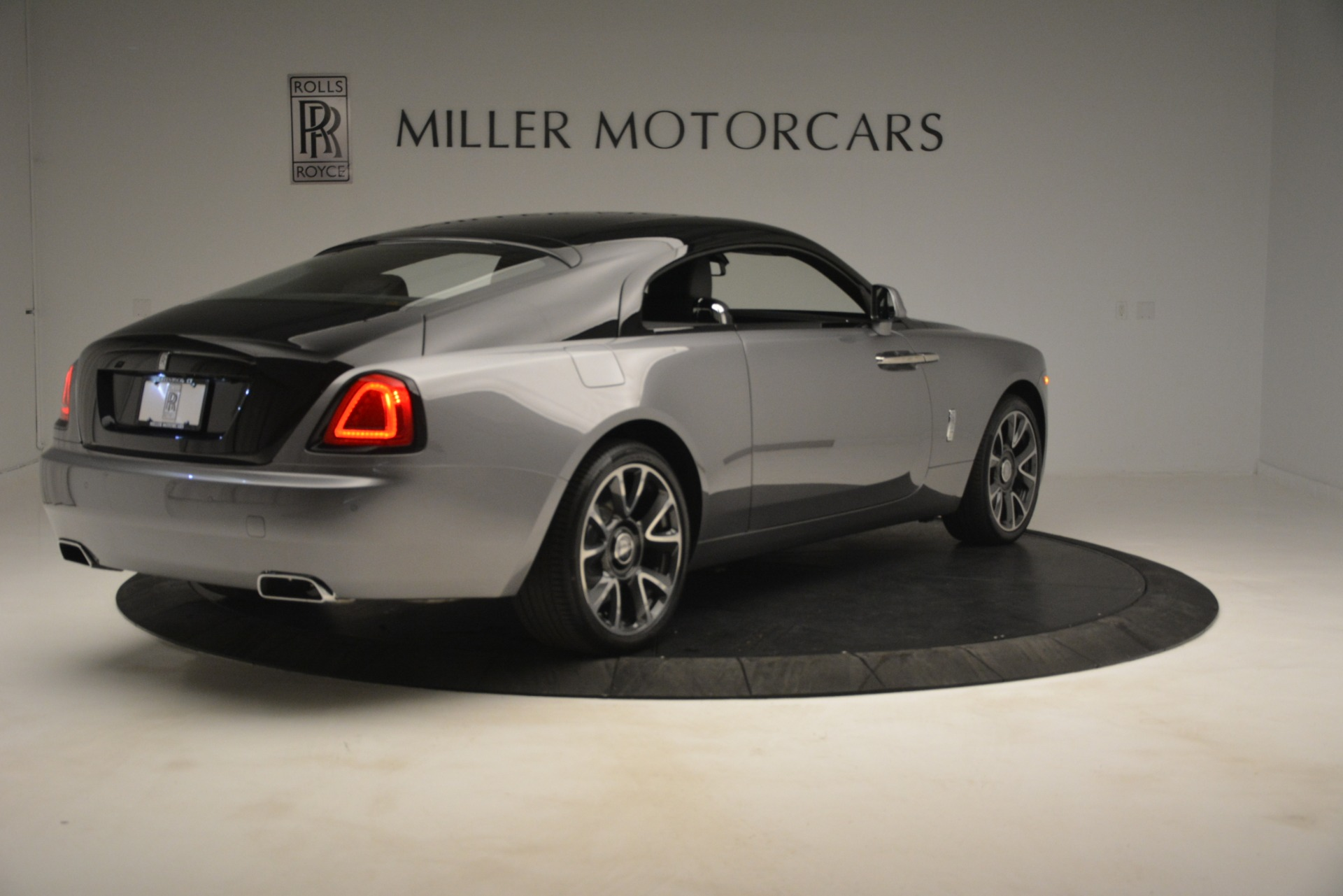 Used 2019 Rolls-Royce Wraith  For Sale In Westport, CT 2688_p10