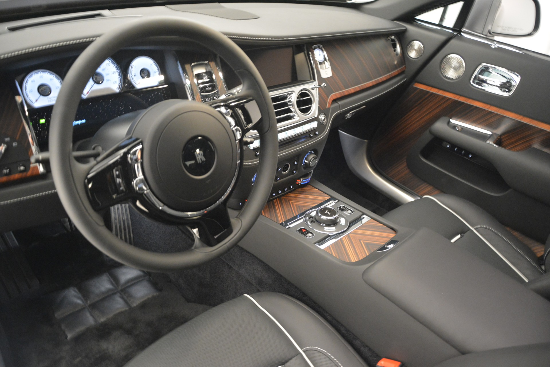 Used 2019 Rolls-Royce Wraith  For Sale In Westport, CT 2688_p23